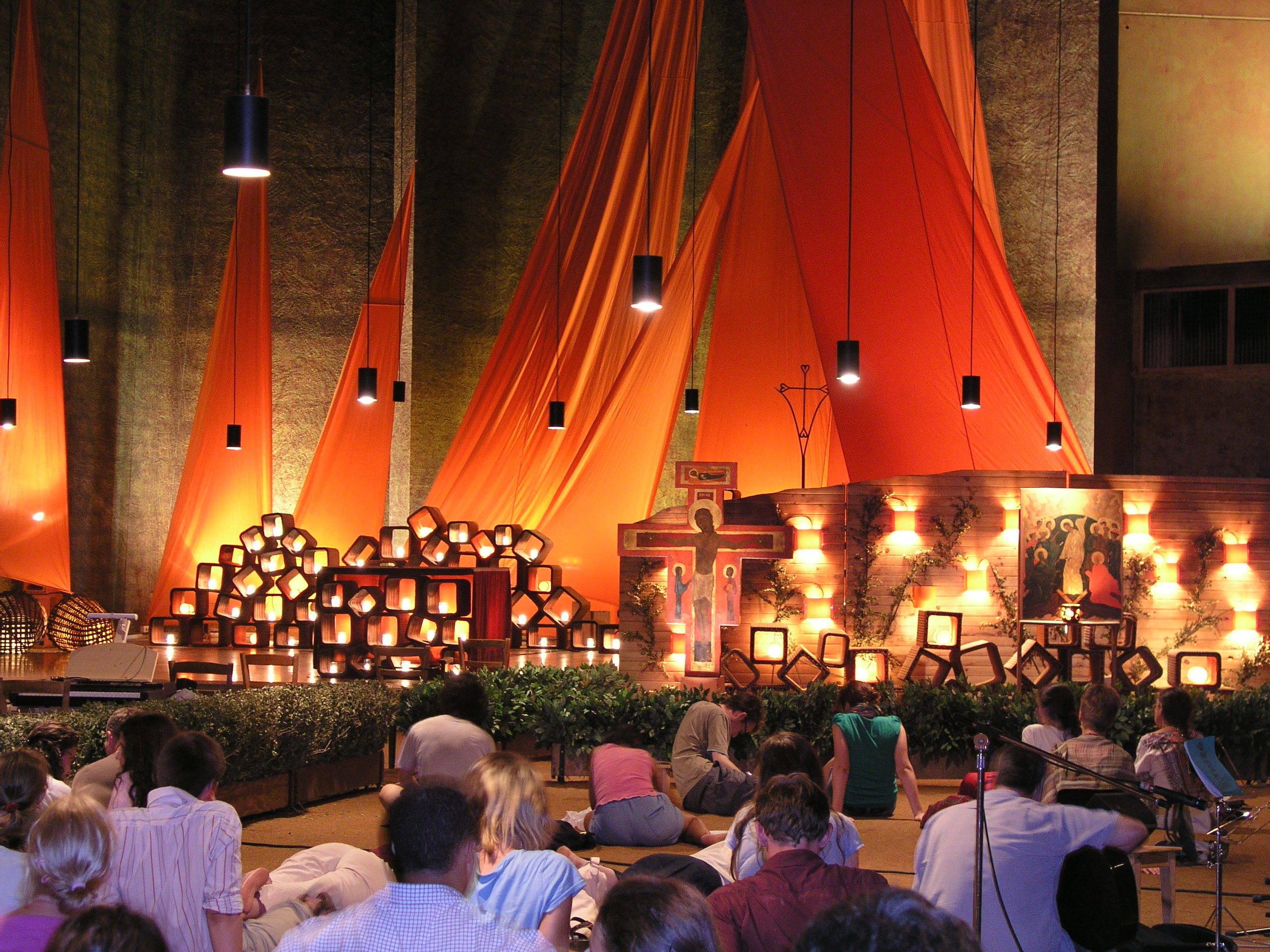 021feae5201e54ae0cbd_Taize_-_Photo_at_church_of_the_reconciliation_2_-_Taiz__prayer.JPG