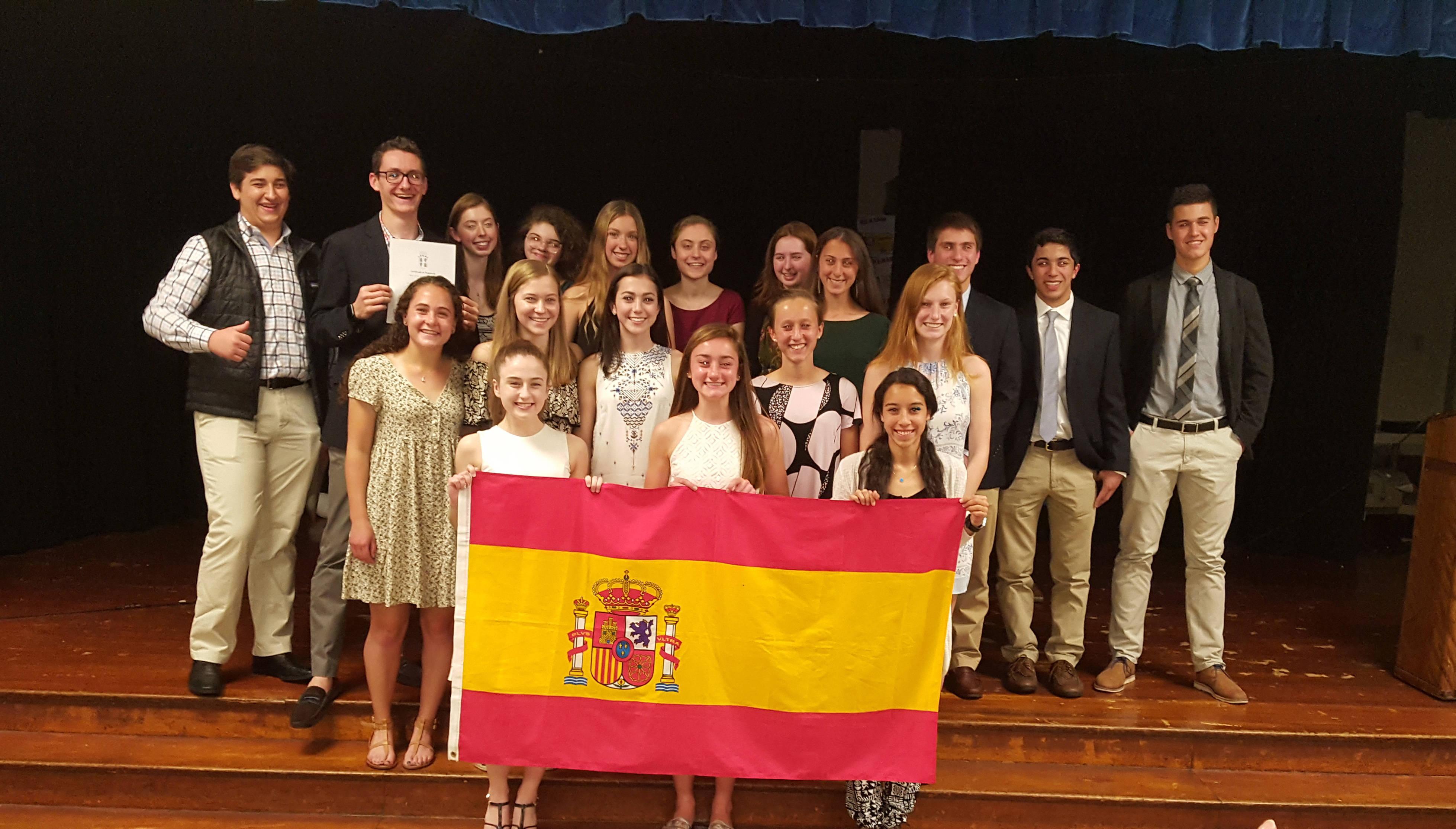 0292752b73a066fb85d5_02aeb8b88ab7a571ea91_Spanish_Honor_Society_May_2017.jpg