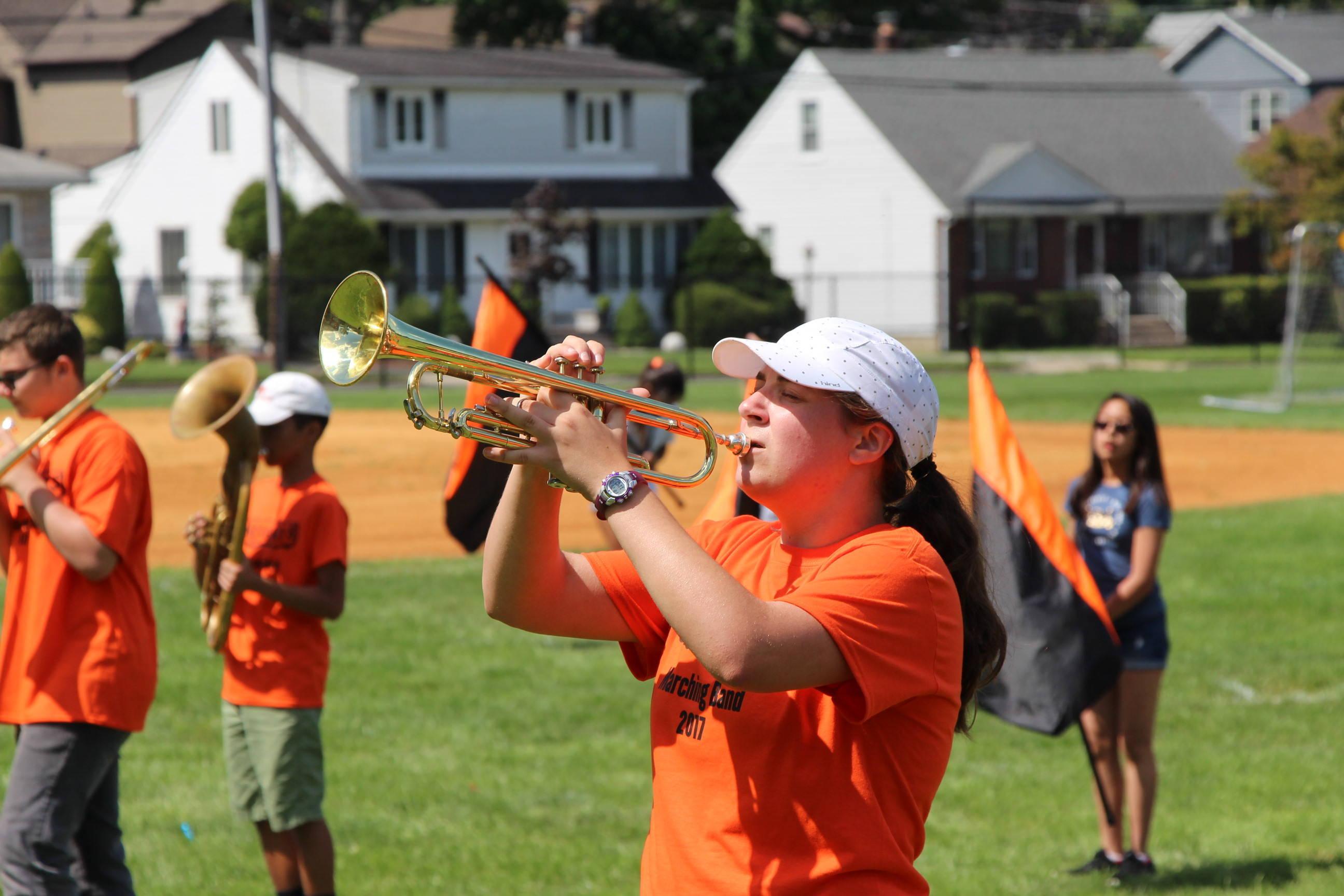 029c2b2f7923b26487e1_EDIT_trumpet.jpg