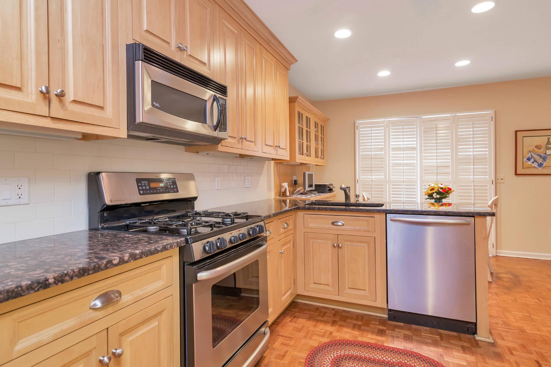 Kitchen cabinets summit nj - 008 230077 Img_9110_5054477 Jpg