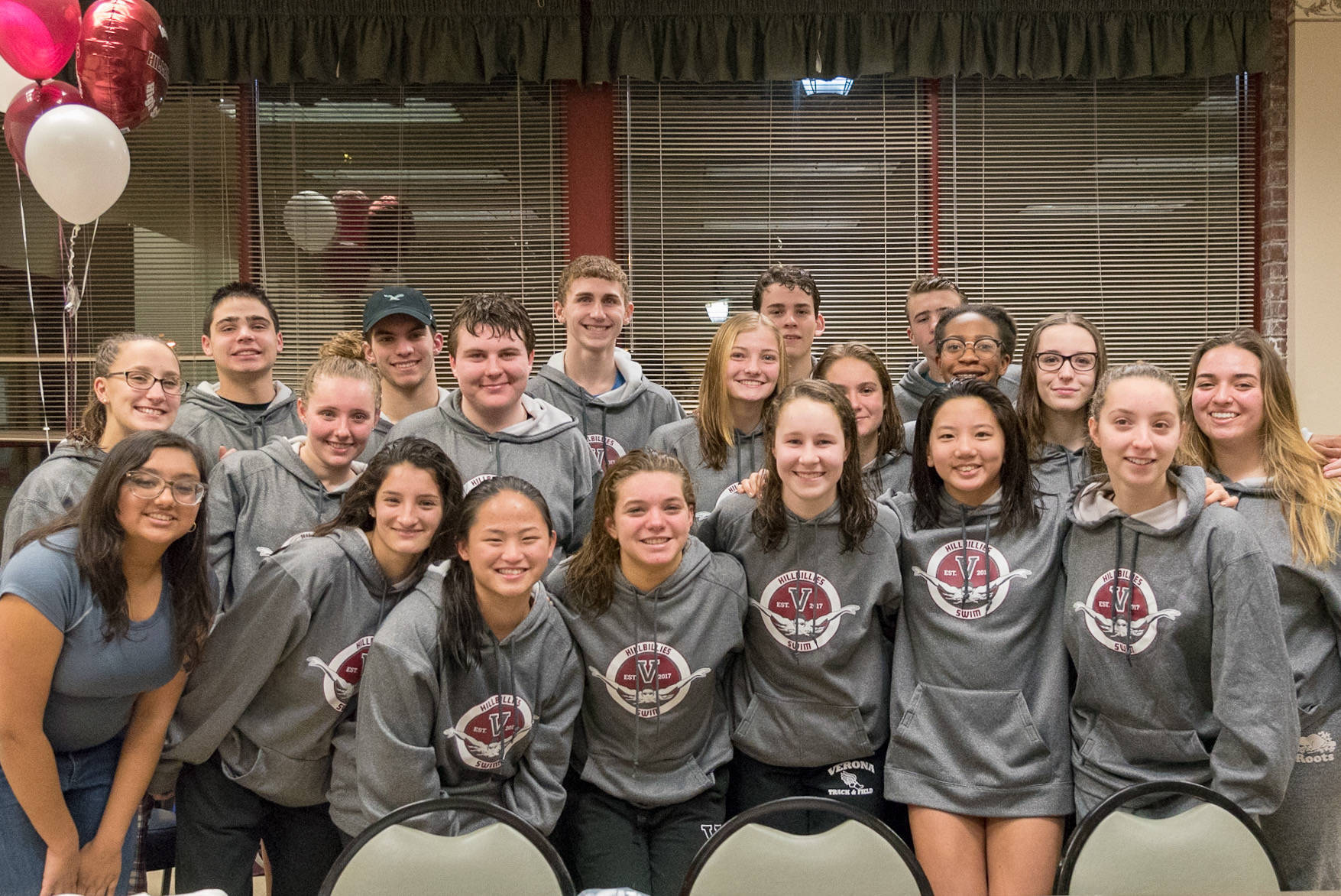 07321117402a65a25a23_Swim_Team_Team_Photo.jpeg