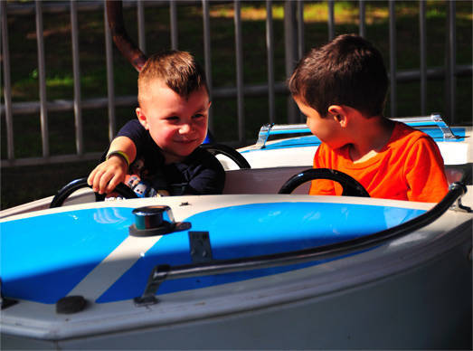 0760f7f1006c90f5f9fd_Bowcraft_boats-pic.jpg