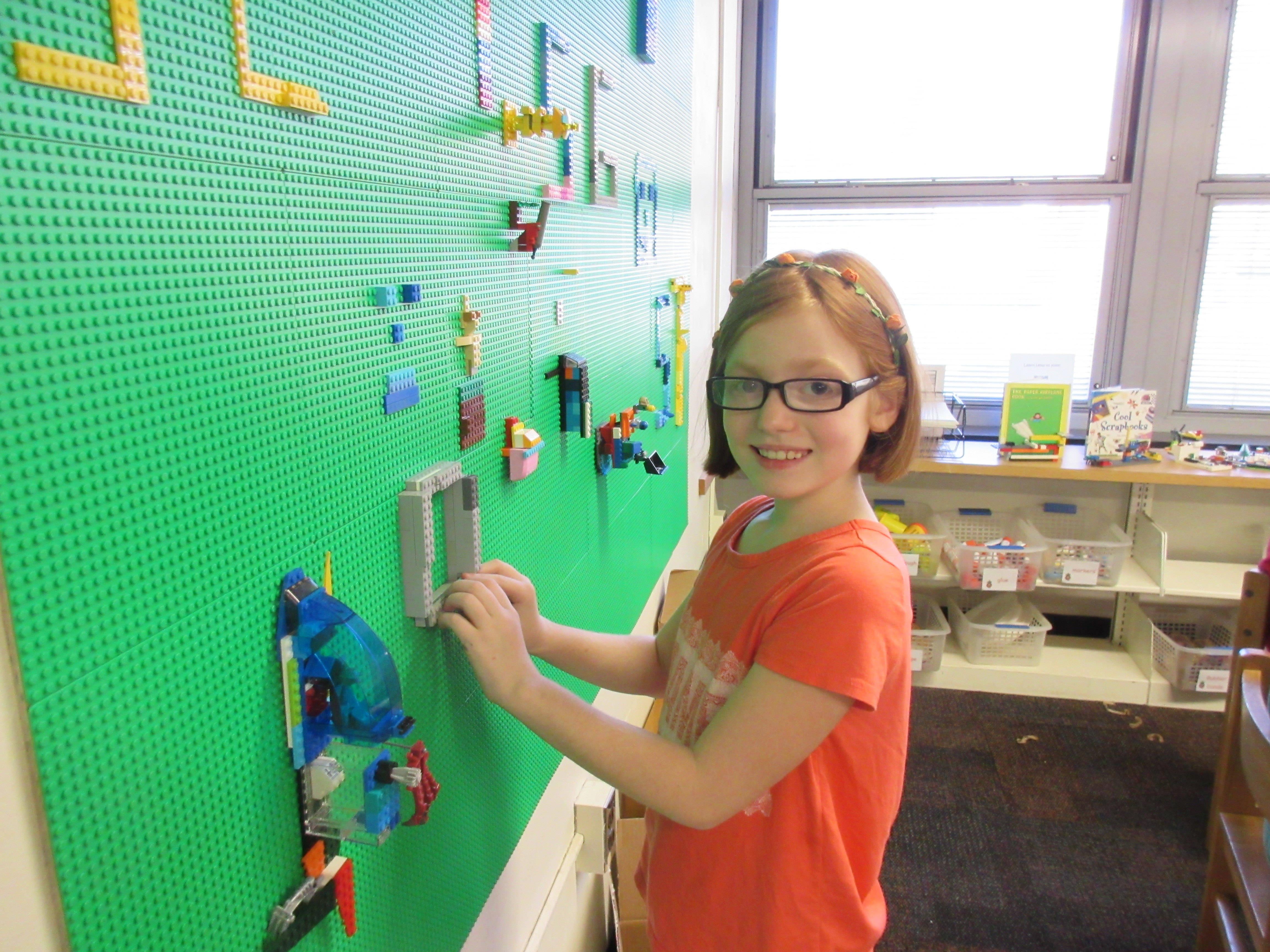 0d378058c71b53fa465d_Tamaques__Maker_Space_Lego_Wall__2_.jpg