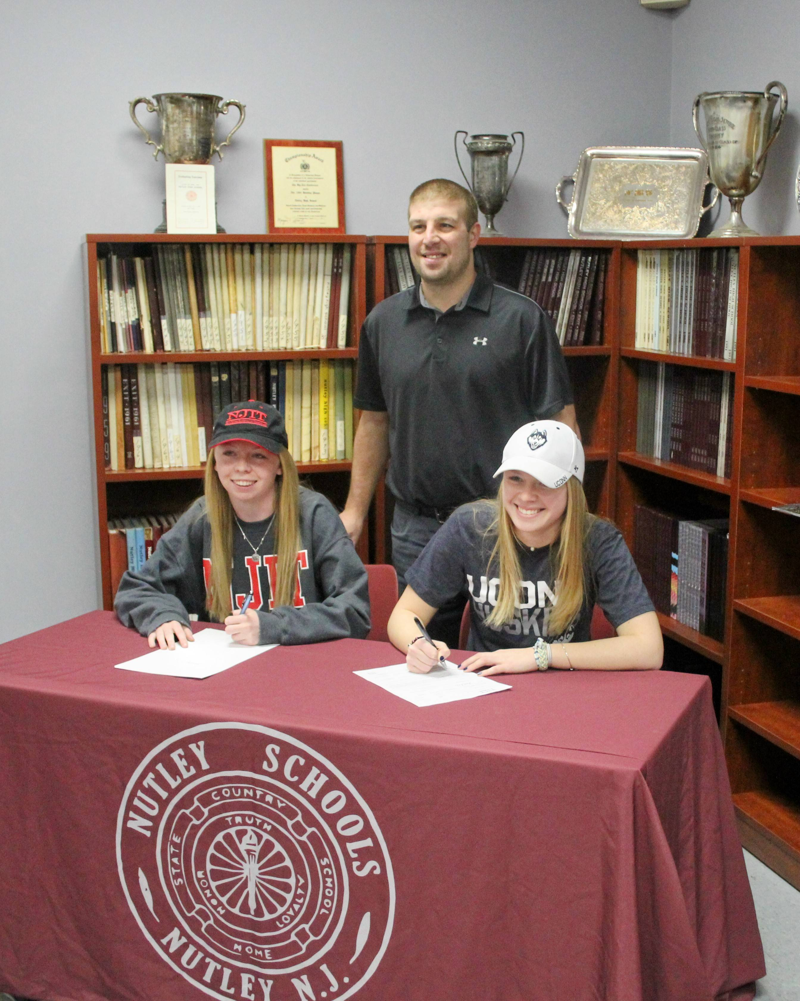 105361a0bb68abc56a54_College_Signing_Day_2017_4.jpg