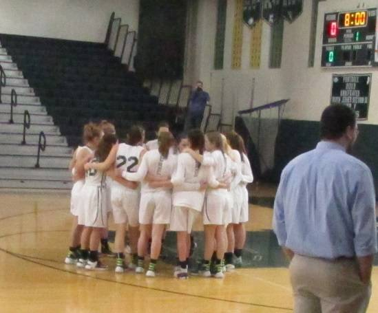 113943964f13e7724914_Ridge_girls_pre-game_huddle.jpg