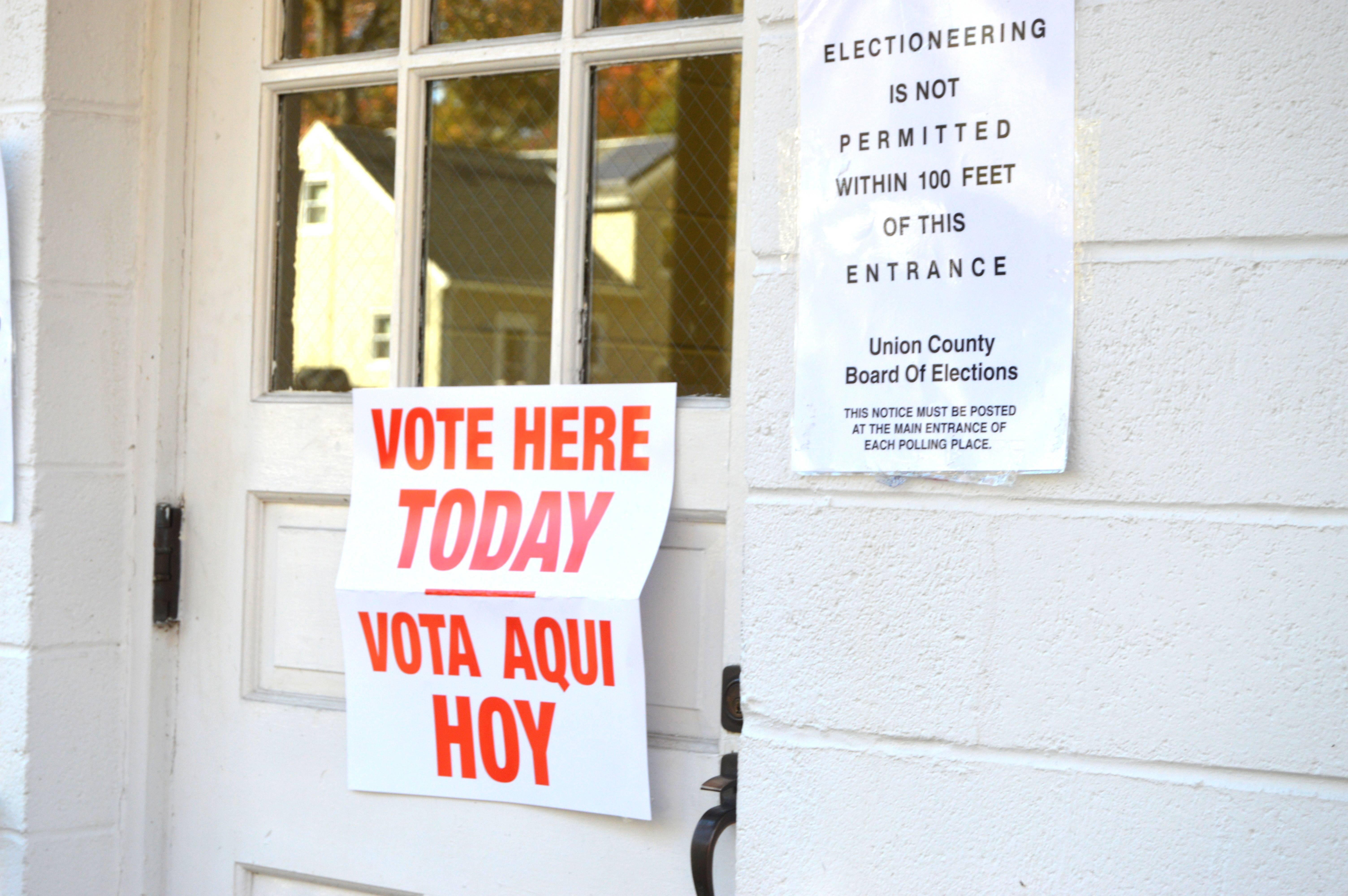 12546d96886b487f3667_Sign_Vote_Here.JPG