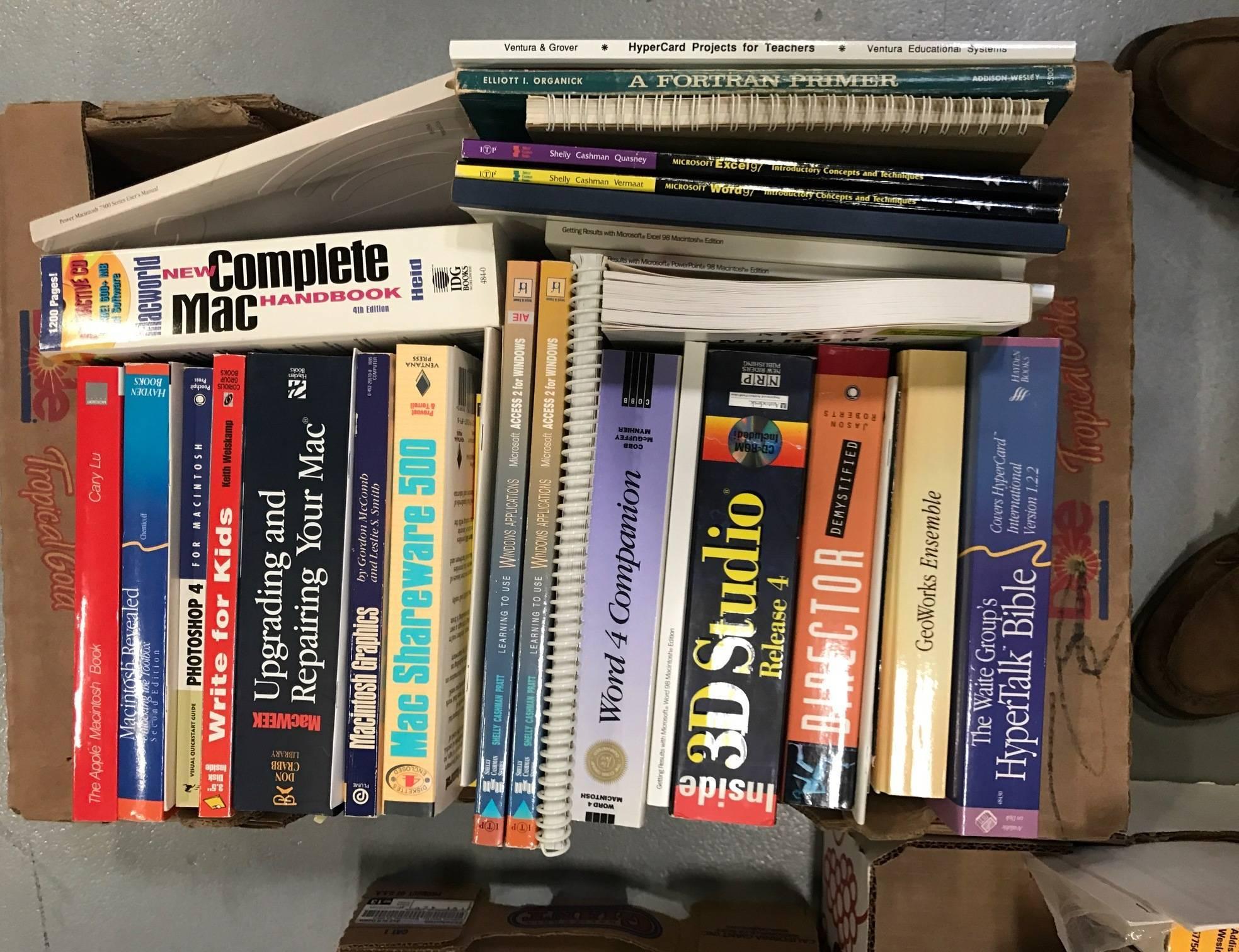 161c2f8b97b6079ca8be_bodnarpixcomputerbooks.JPG
