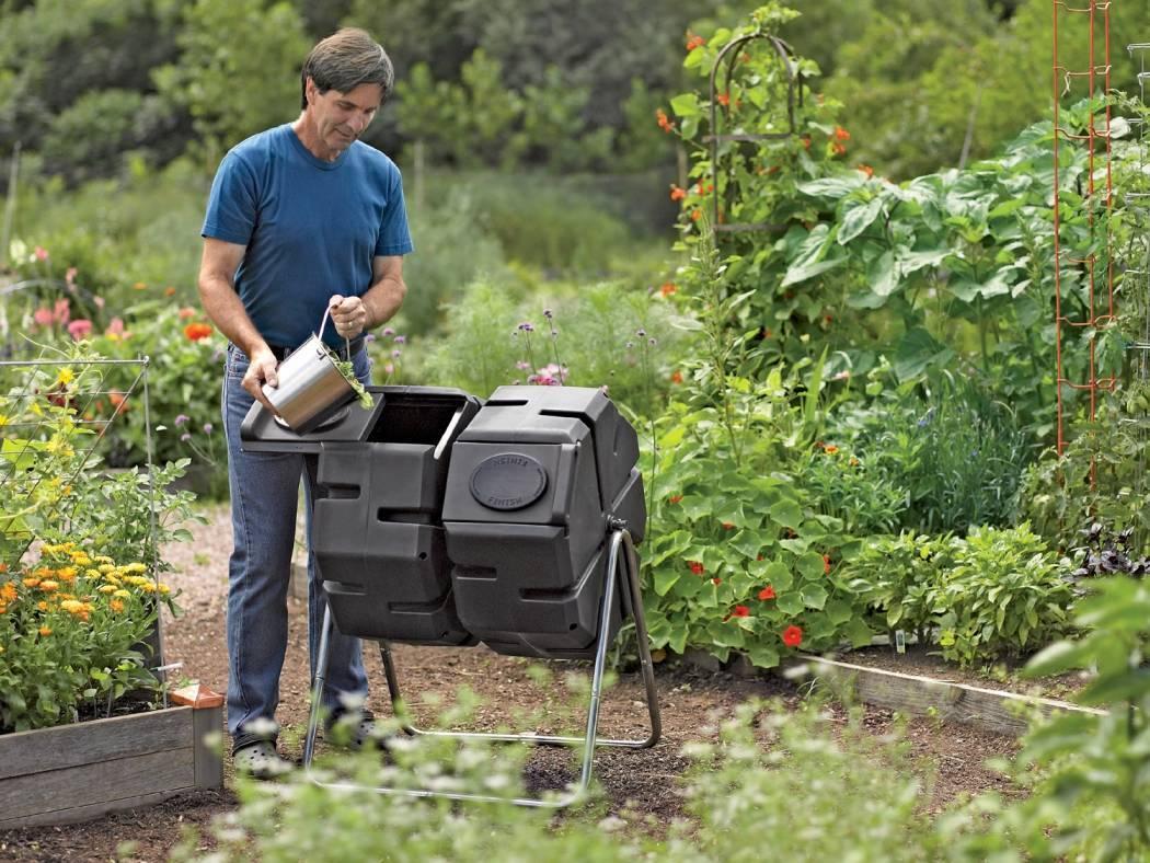 1799872d201ca647cd2d_compost_tumbler_photo_credit_Gardeners_Supply_Company.jpg