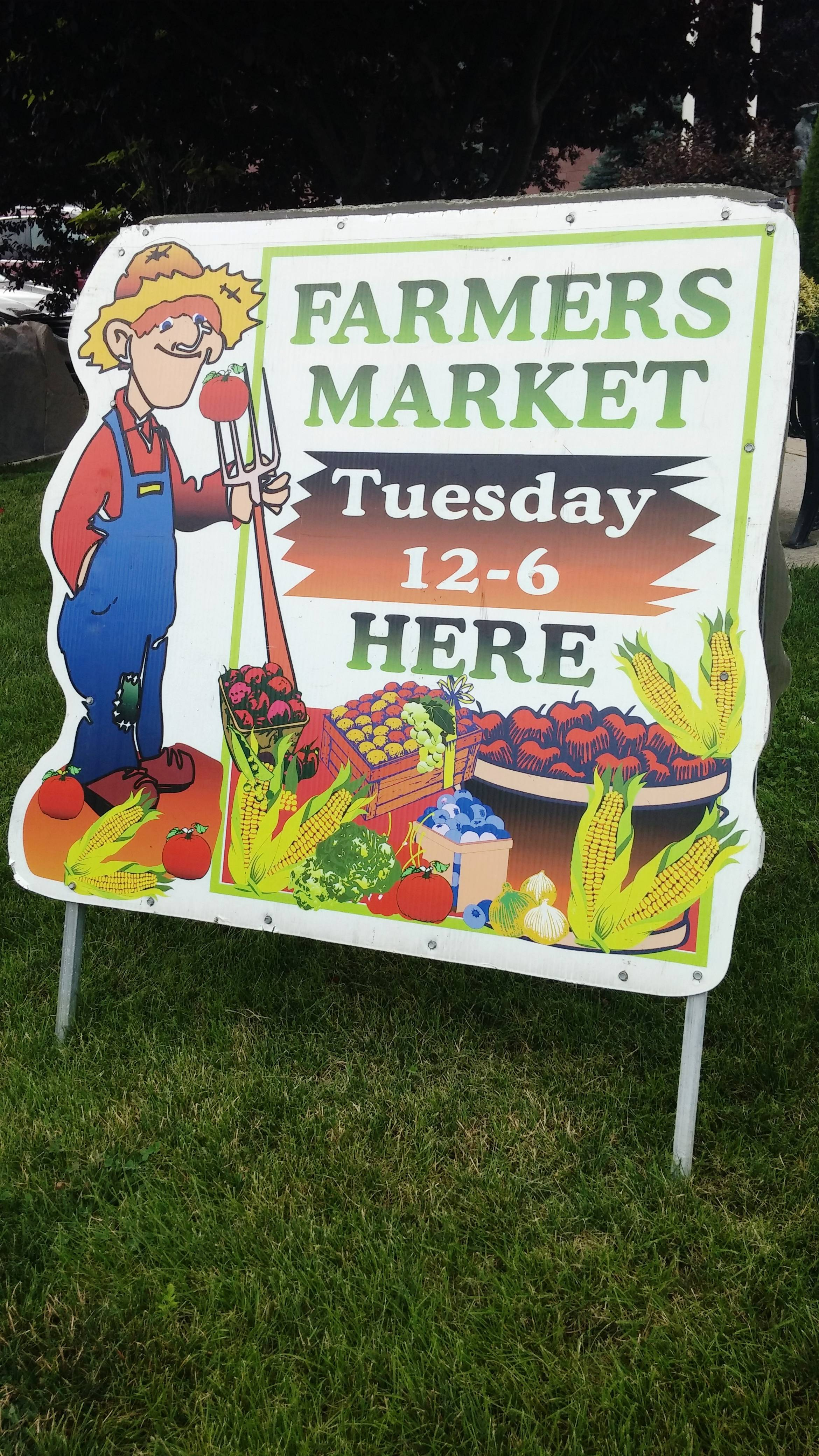 184b7993ac4a786571dc_EDIT_HH_farmers_market_sign.jpg