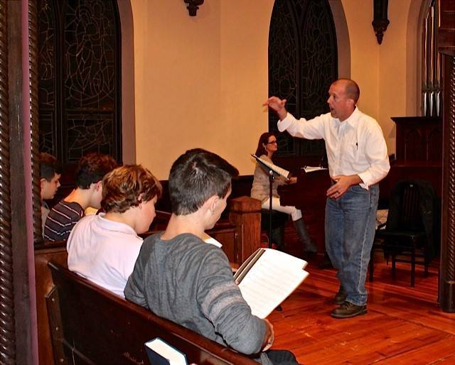 189070fdc1cb989e358d_CCSC_Young_Men_s_Choir_Rehearsal_2_October_2016.jpg
