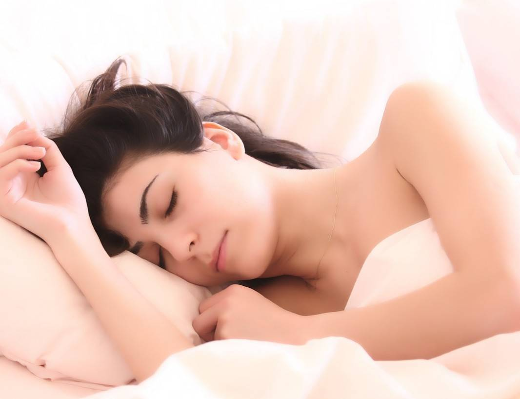 197c92f8bd69eb83e324_sleeping_woman-2197947_1920_-_Edited.jpg
