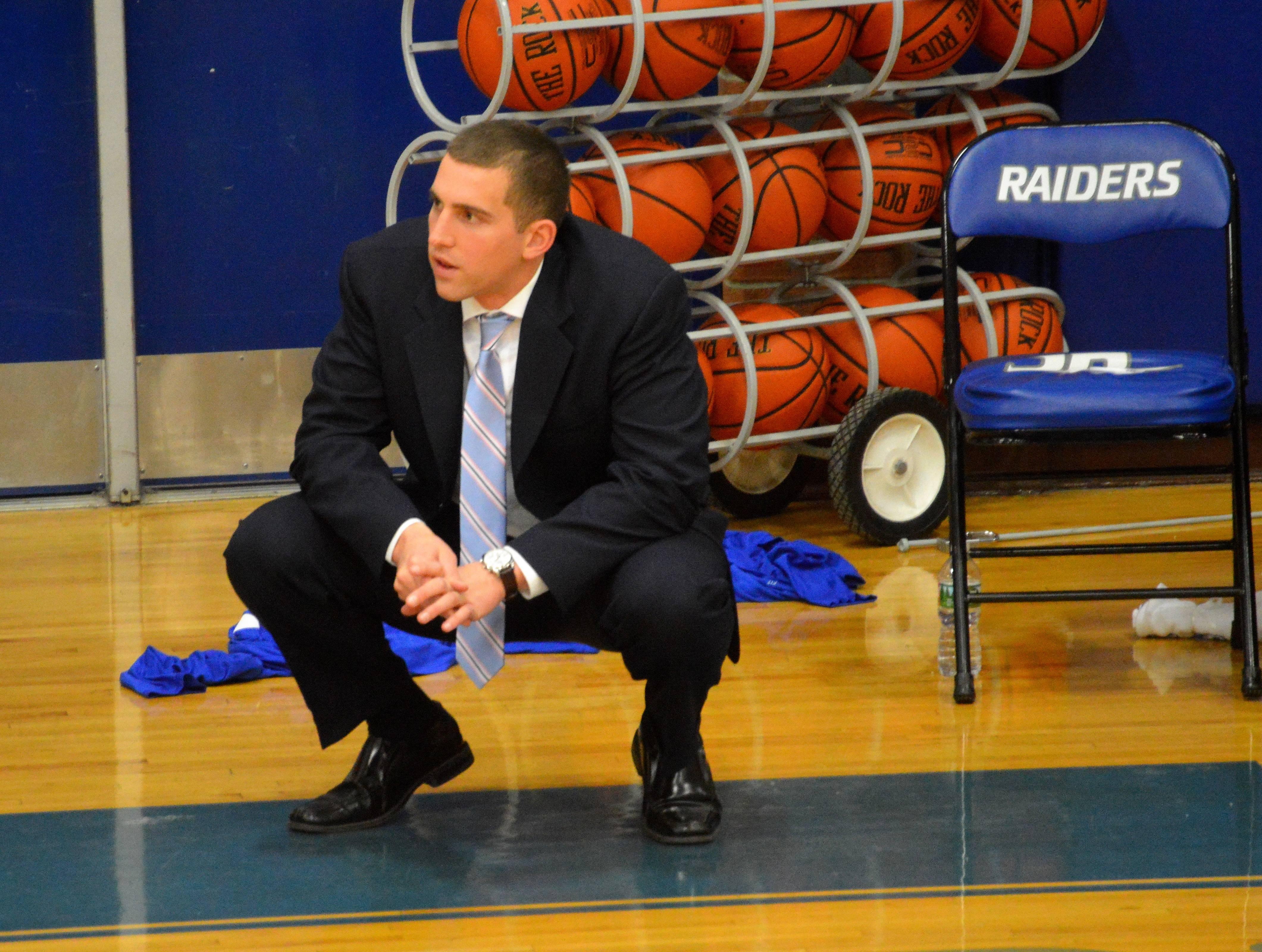 1bda45464ed1d9cccb54_SPFHS_basketball_head_coach_Steve_Siracusa.JPG