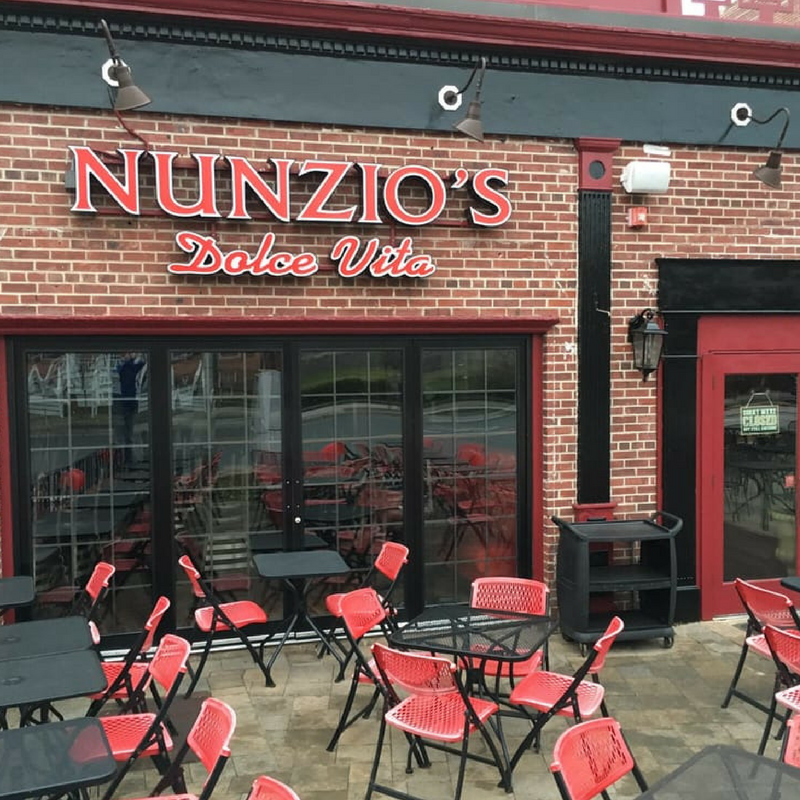Am Dolce Vita: Nunzio's Dolce Vita Adds Fresh Twist To Traditional