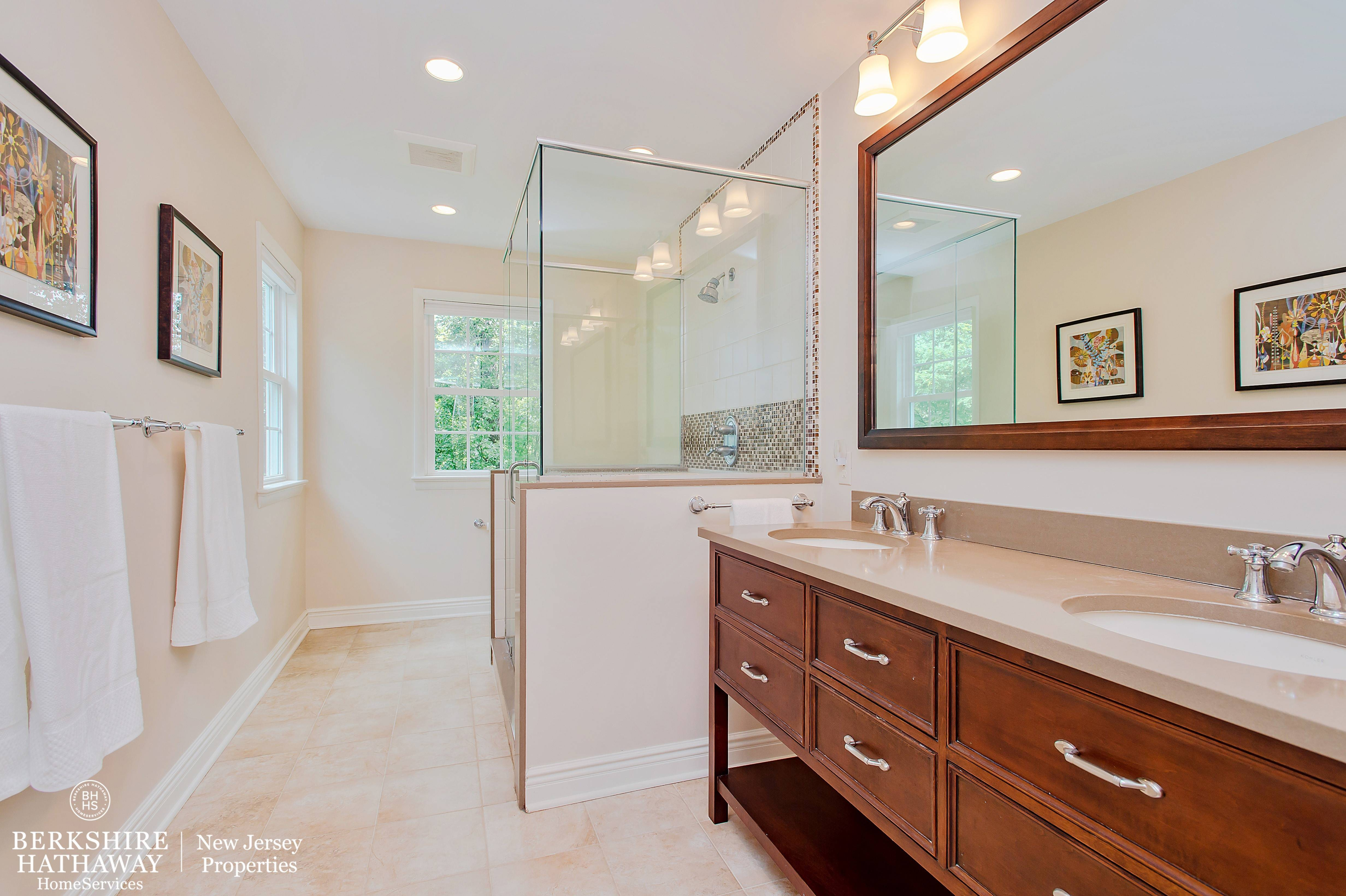 Captivating custom colonial tapinto for Best bathrooms on the road