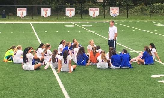 243b8fcefbce46f5ac7f_Gsoccer_Team_Meeting.jpg
