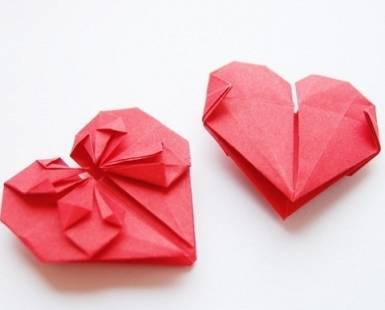 Best_2959359b57a90ec5624b_origami_hearts