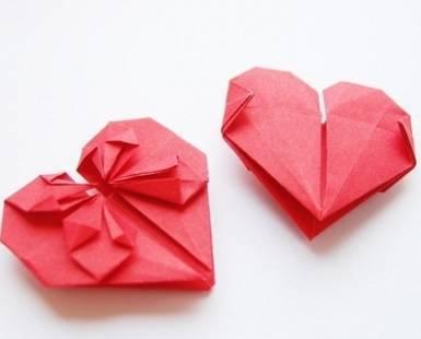 2959359b57a90ec5624b_origami_hearts.jpg