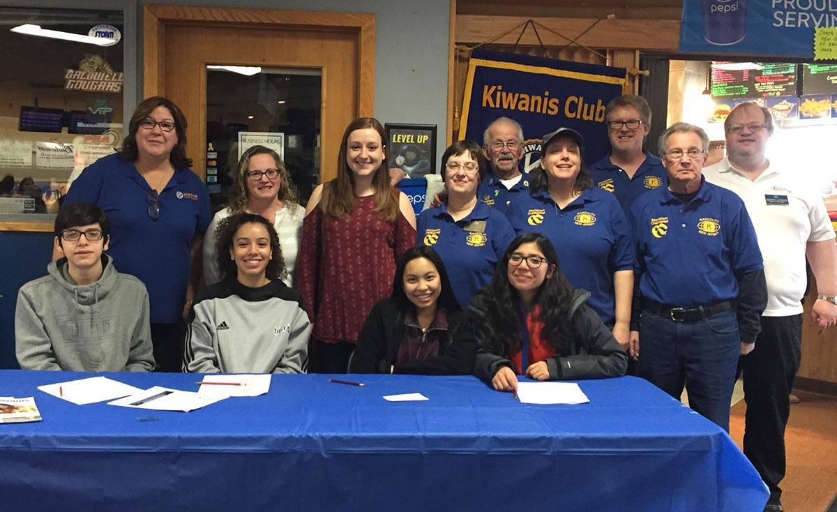 299fb209303166f568cf_2018_Pins_4_Pets_Kiwanis_and_Dover_Key_Club_websize.jpg