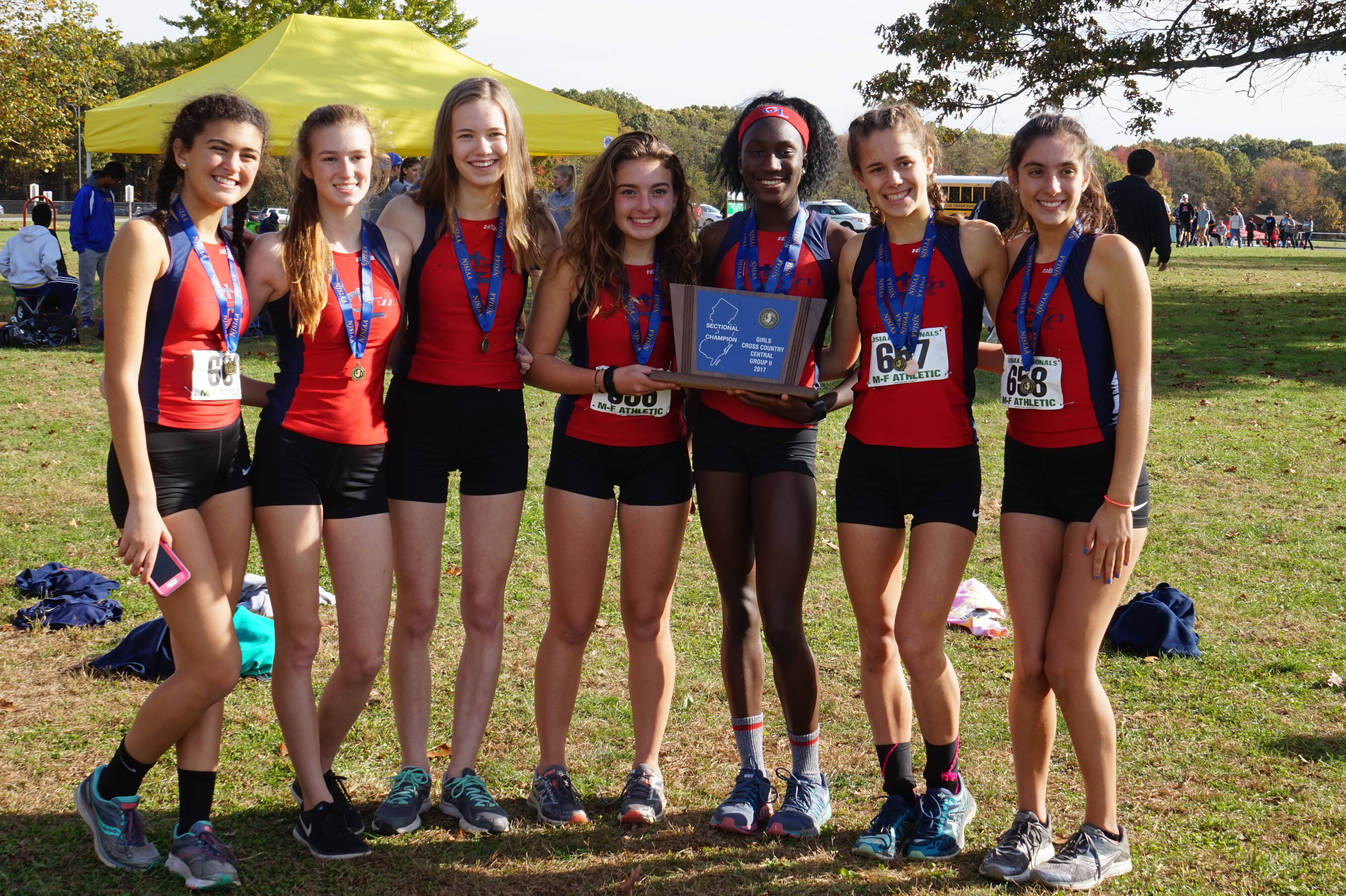 2b68be4d6d6f635582fb_Cross_Country_-_Sectionals_-_Nov_4_2017_-_Girls_Championship_Team_-_DSC01216.jpg
