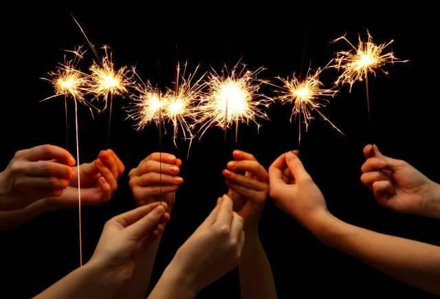 2c18a1fe8ac76875aa15_sparklers.jpg