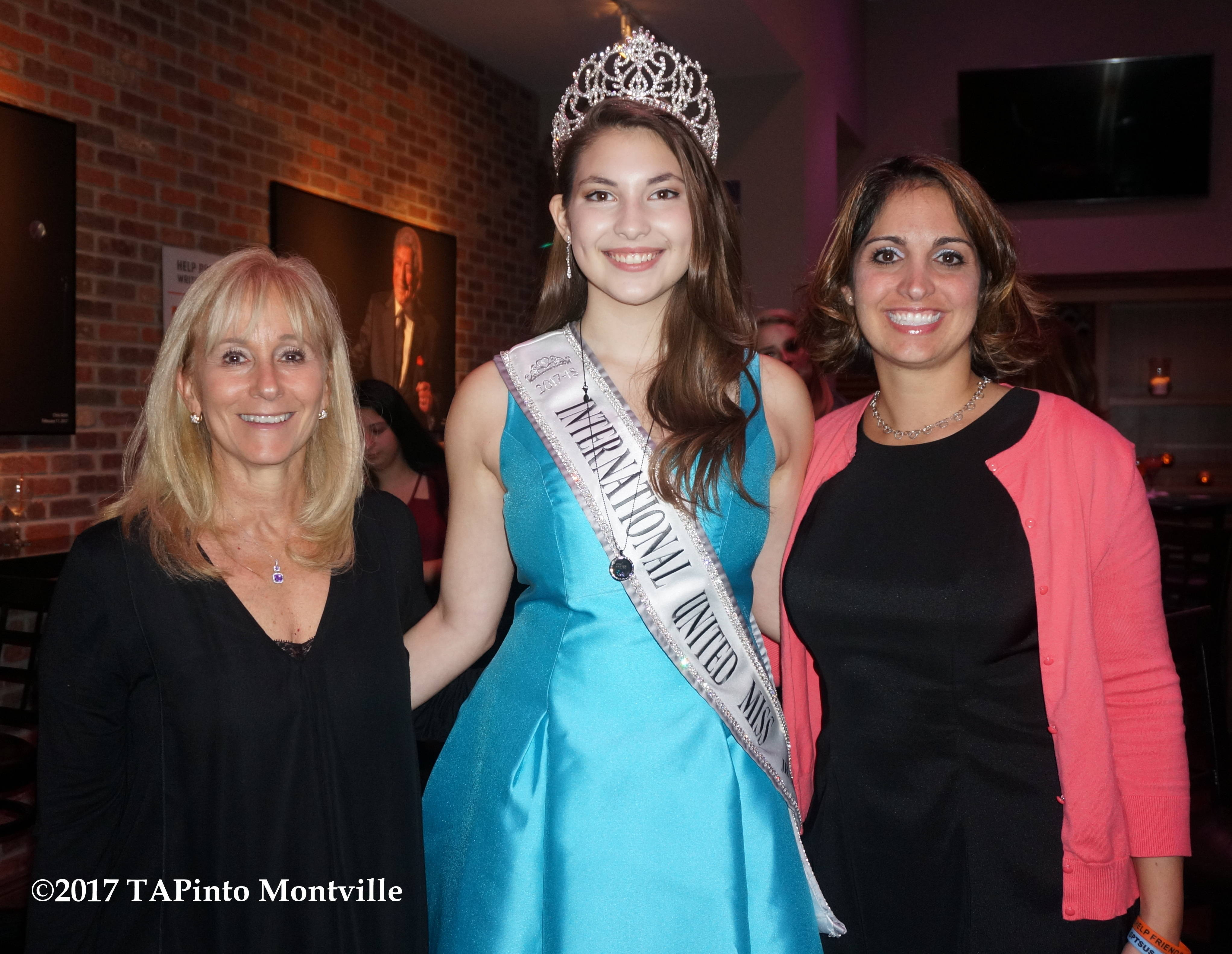 2cfe7143dbb083daed59_a_Wendy_Sefcik__Veronica_Tullo_and_Dawn_Doherty_of_SPTS_at_the_HEART_fundraiser__2017_TAPinto_Montville.JPG