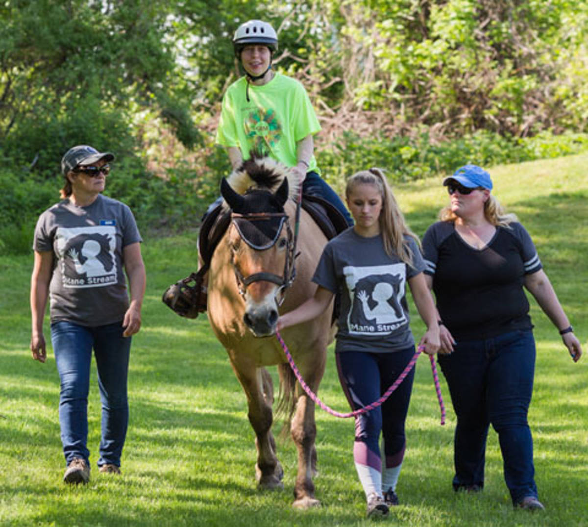 2ea21ef4102d100a2a95_mane_stream_therapeutic_riding.JPG