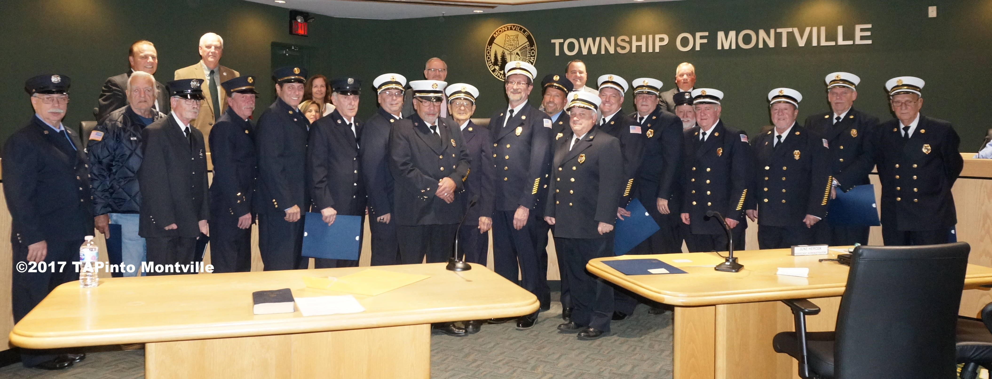 304b45c44502fa7ec248_a_Firefighters_honored.JPG