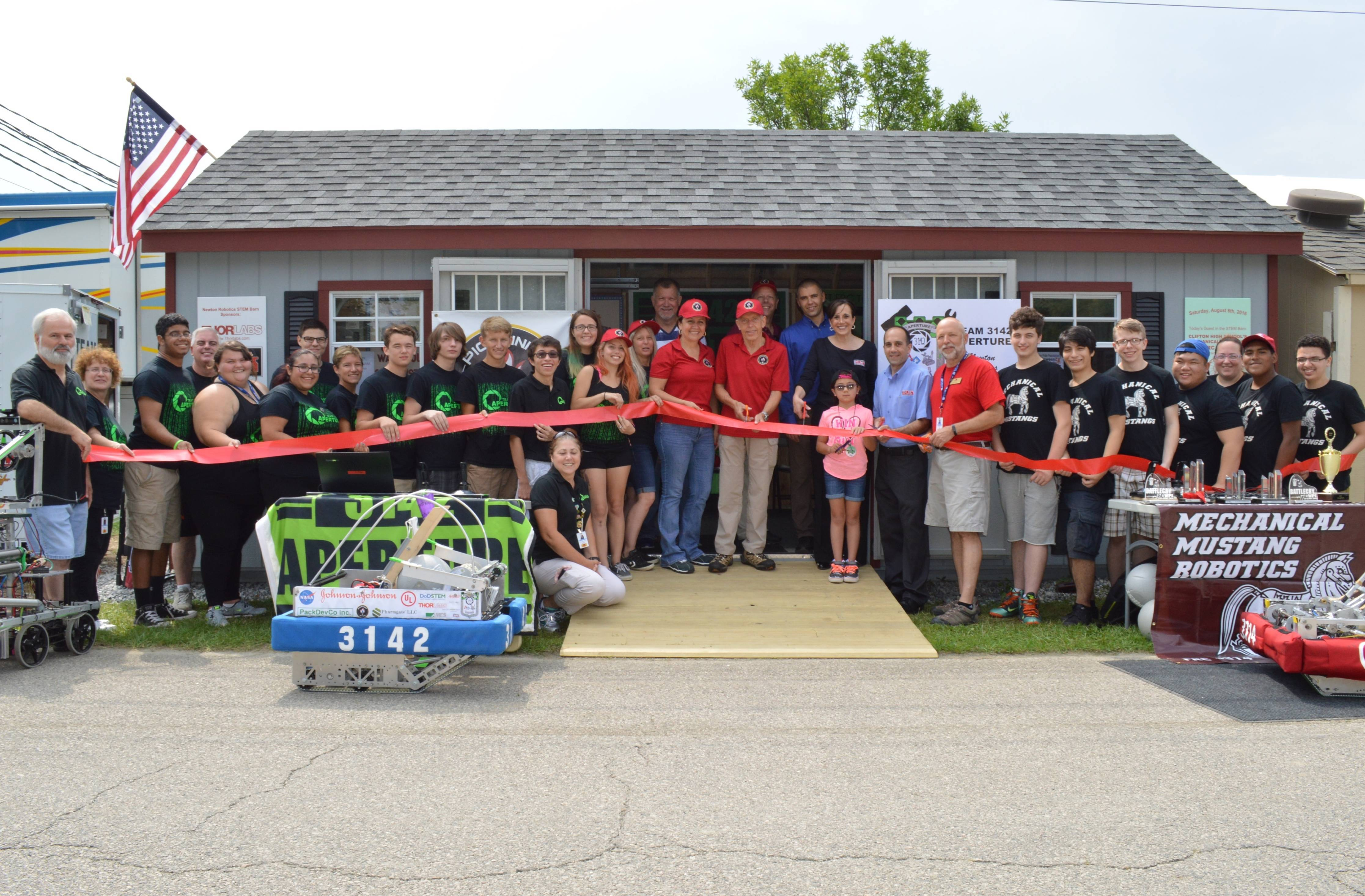 306526aebbfd2da2184a_2016_ribbon_cutting_at_Fair_day_2__1_.JPG
