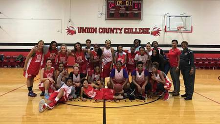 32f57ea7716d273ac9d5_UCC_Women_s_Basketball_2016-17_team.jpg
