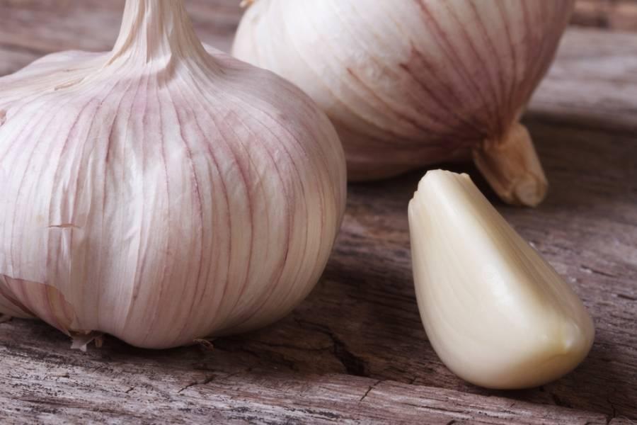 35d1f7158347305e32fb_garlic.jpg