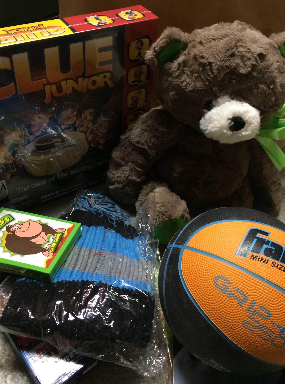 3755c8c08d43eeed8139_Cleveland_Ave_2016_1st_grade_boy_gift.jpg