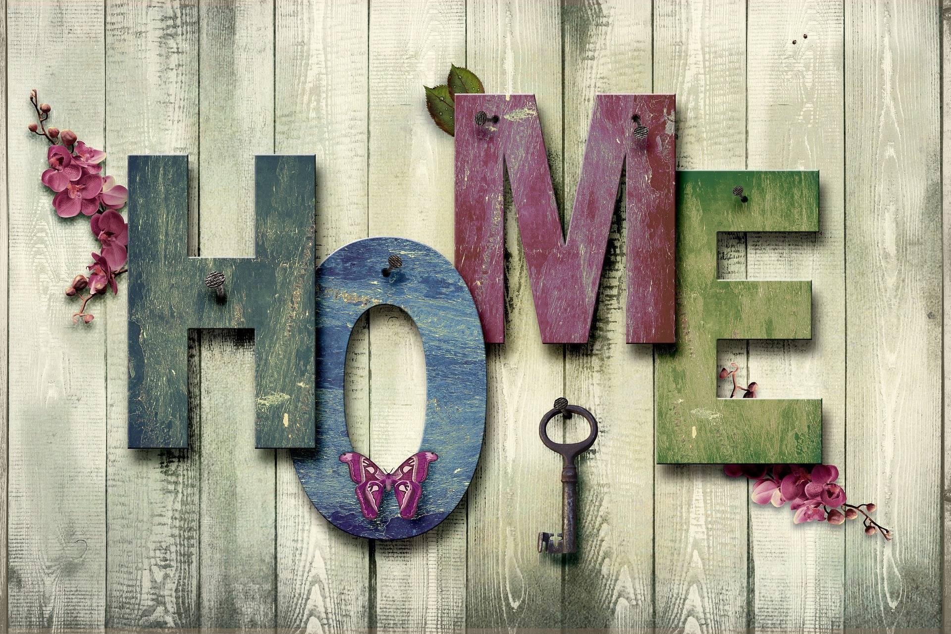 3abf23533de0672ddd9c_home_on_wall_with_key_-2194174_1920.jpg