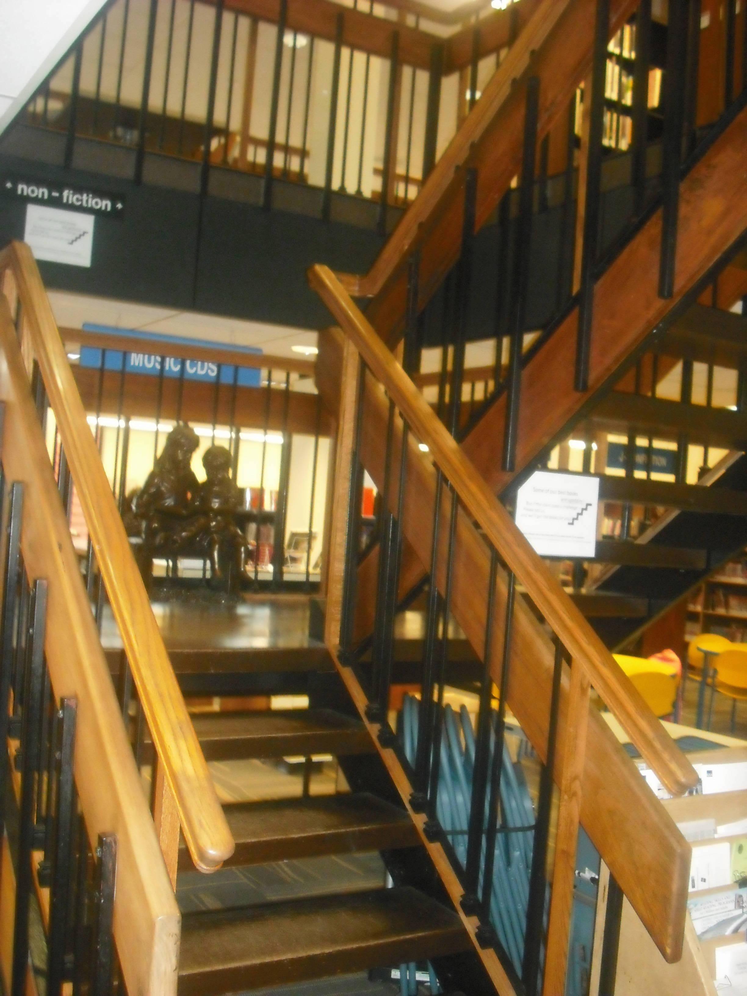413132e5a665aaa5aa65_stairslfpl.jpeg