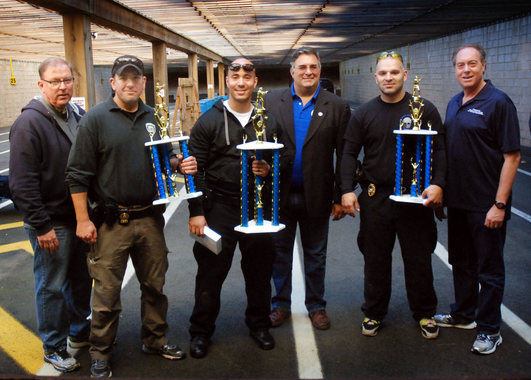 41d47a83f1d4b4fe7cbd_4e988b0bd615e936b5ff_Sheriff_s_Pistol_Competition.jpg