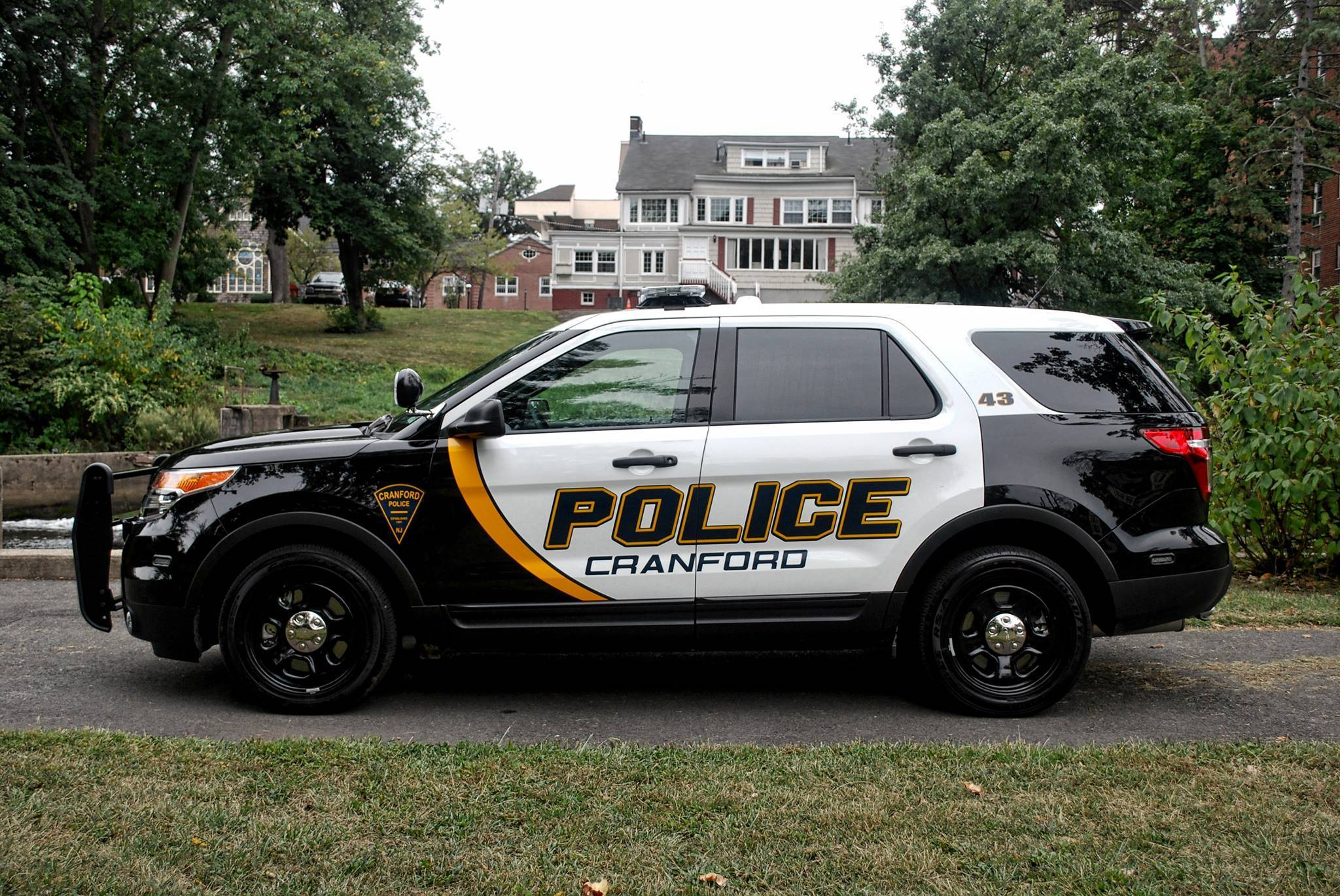 cranford police department arrest five for stolen vehicle