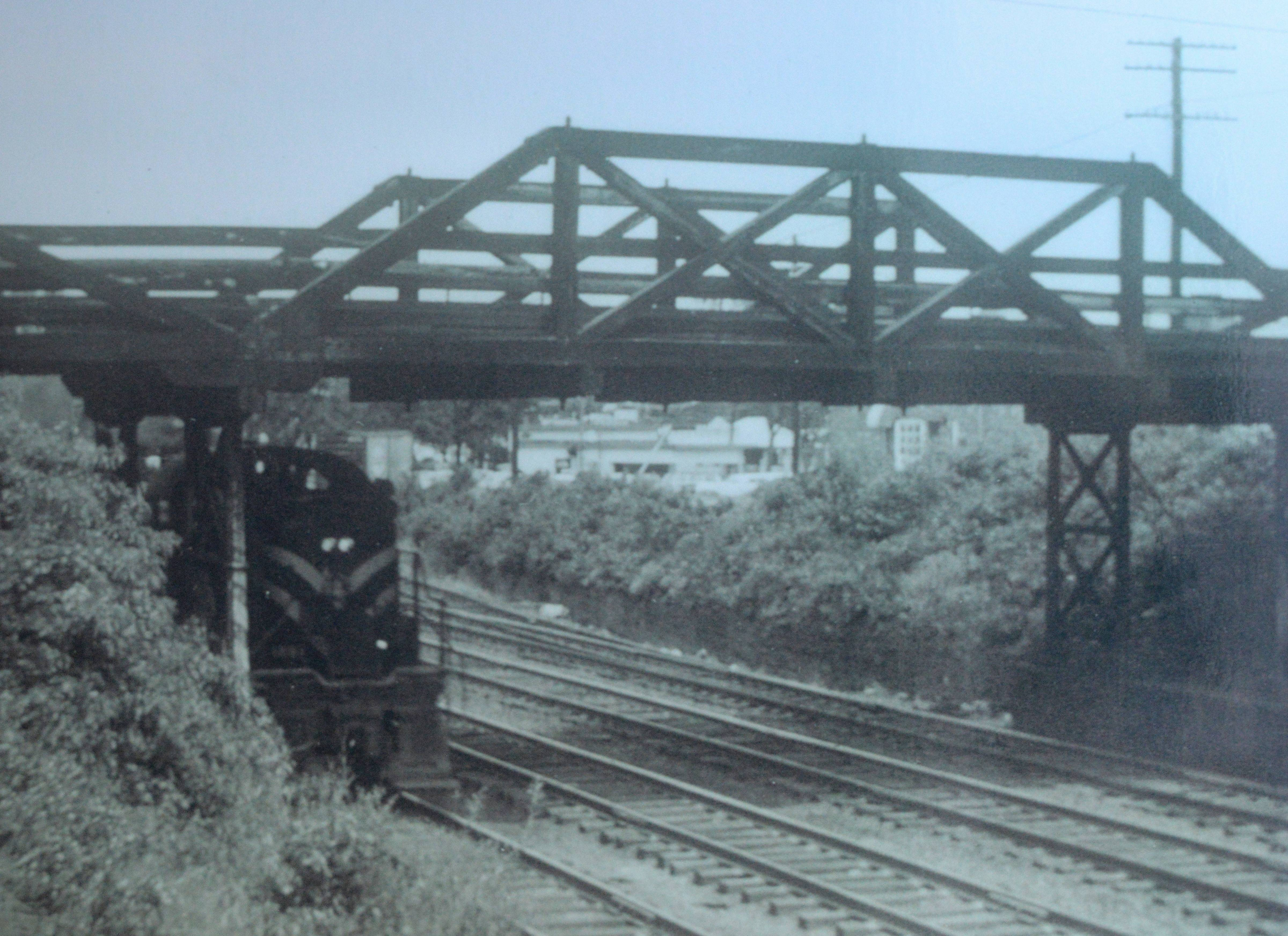 4bfedd254266681ebf0a_Sheelen_s_Crossing_bridge.JPG