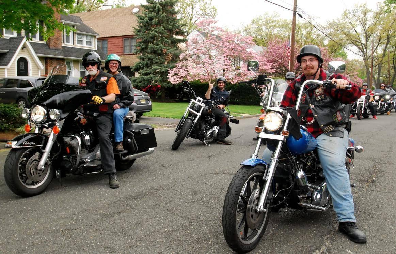 4c552e245bb71f9358c0_Grace_Church_Nutley_Motorcycle_Blessing_2017_a.jpg