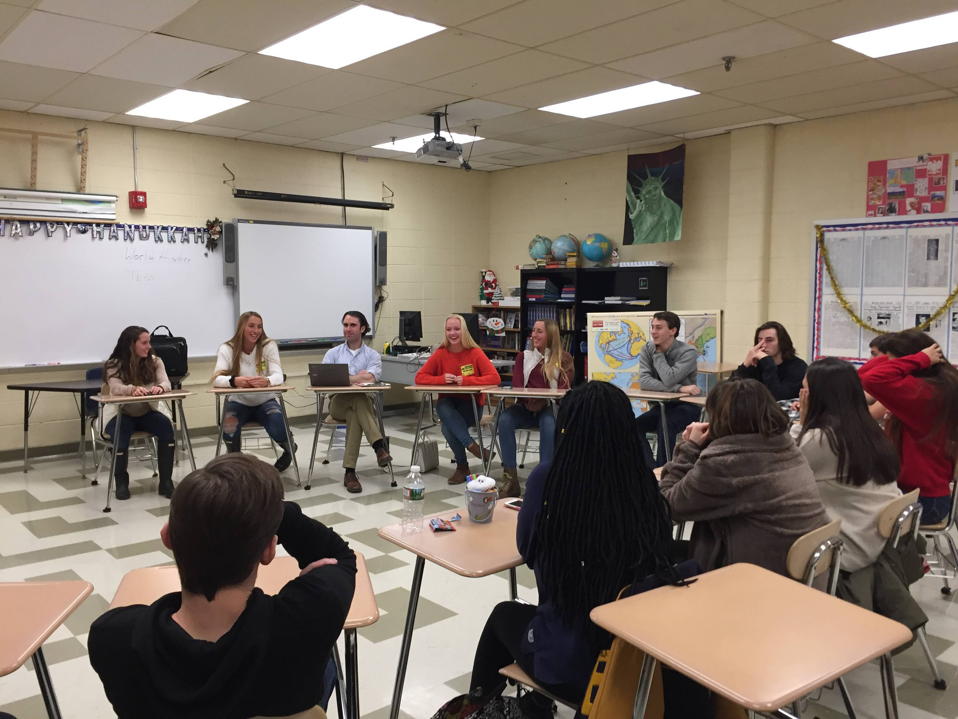4edd373b232f73f8ee3c_7c62c92258ea489c9734_RHS_Grad_Panel_Discussion_with_McMichaels_Class.JPG