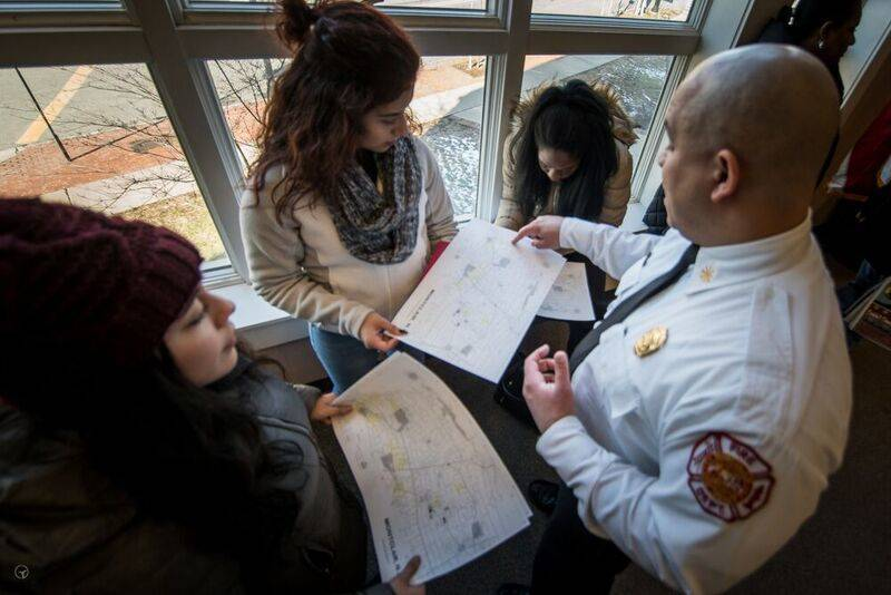 515e94d92bf5fc057ec6_Deputy_Chief_Duncan_Explains_The_Route_To_Volunteers.jpg