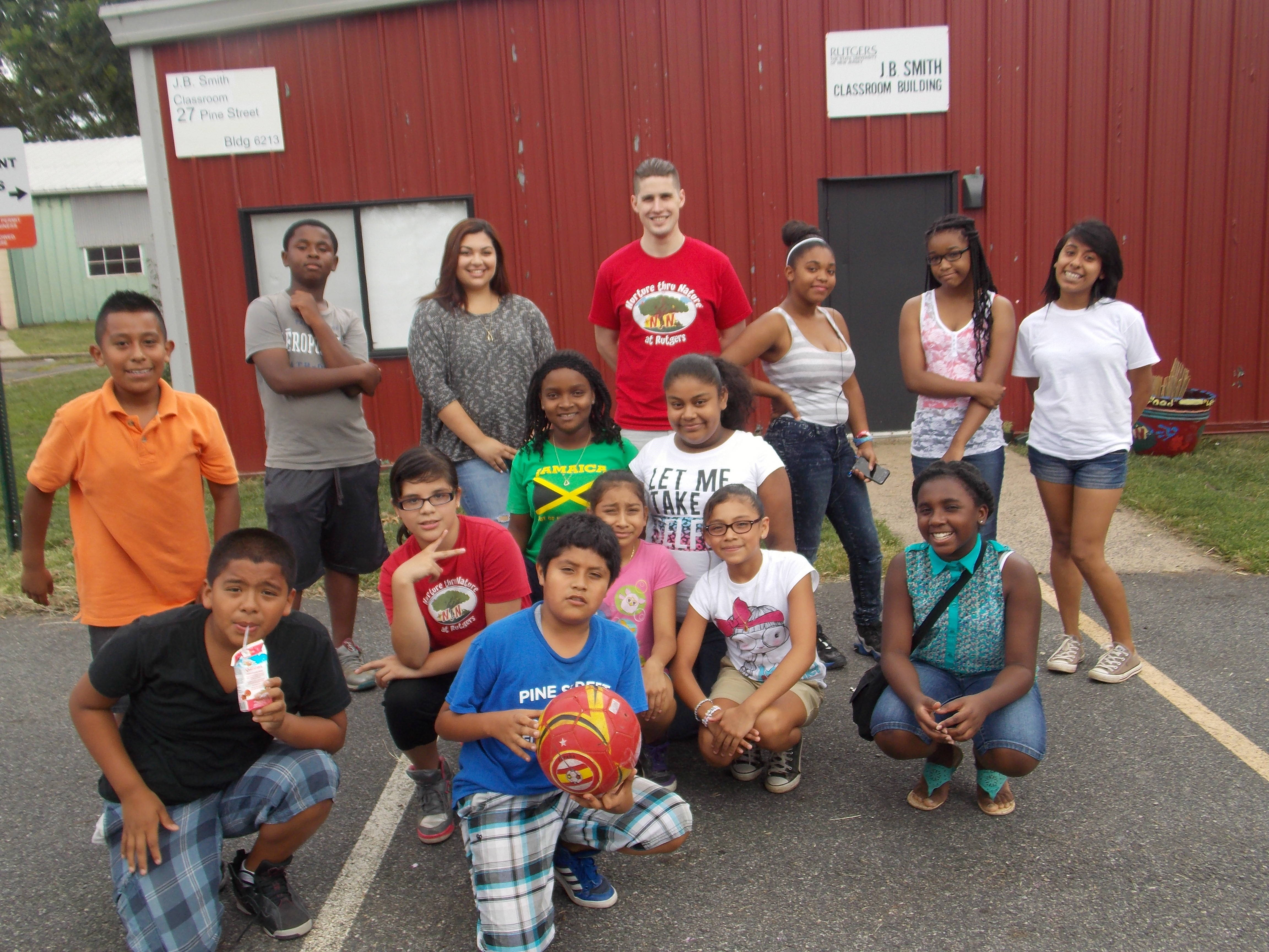 5656c916782d8d2ca407_Current-6th-Graders-orginally-from-Paul-Robeson.jpg