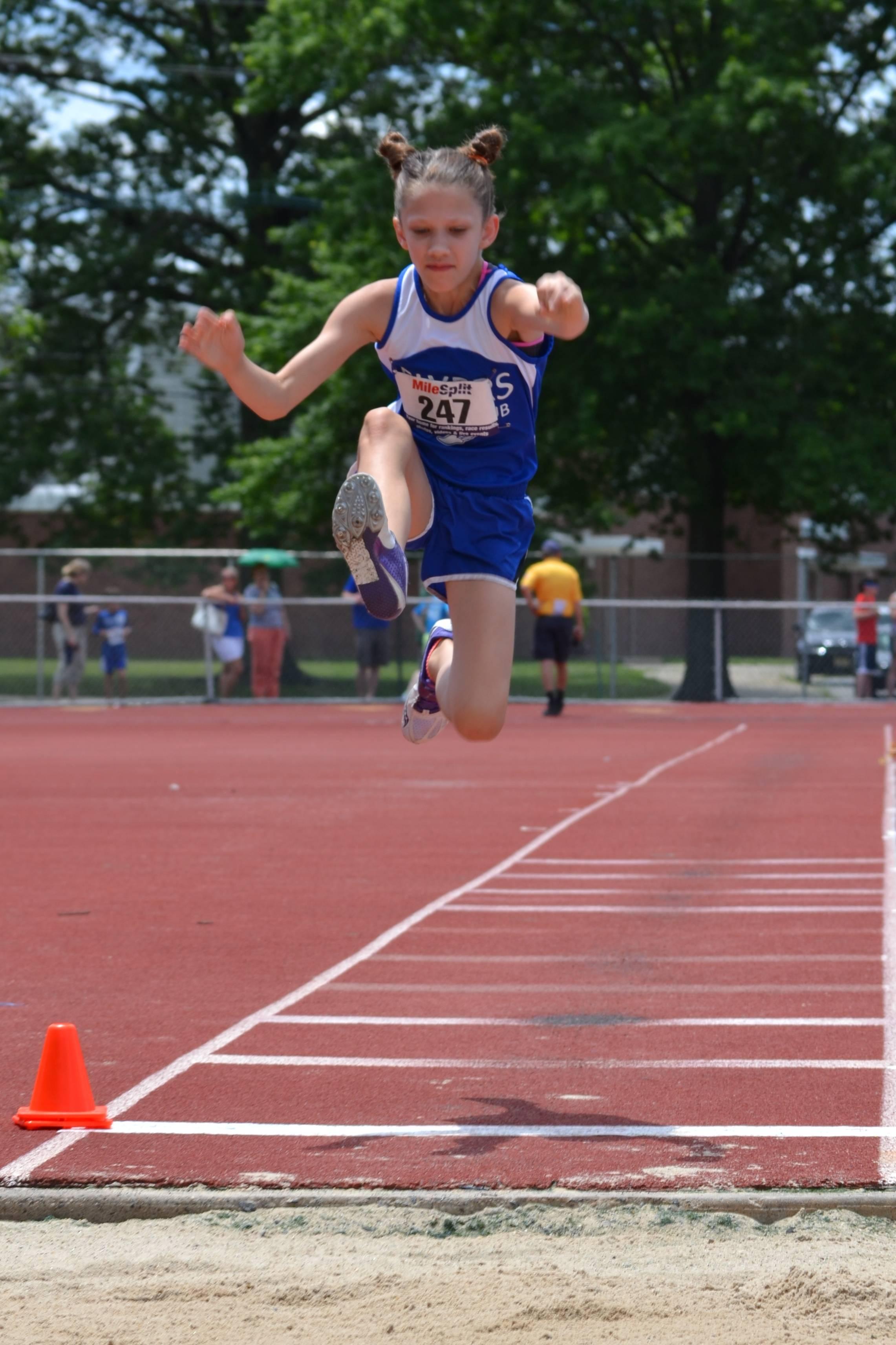 5988909c836d363f91a5_Emma_Muir_competes_in_Long_Jump.jpg