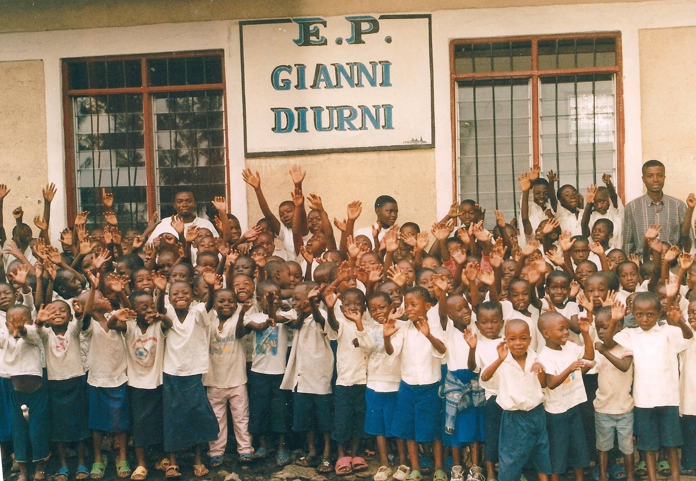 5d4bda5cbdef0a30bb45_Africa-School-3.jpg