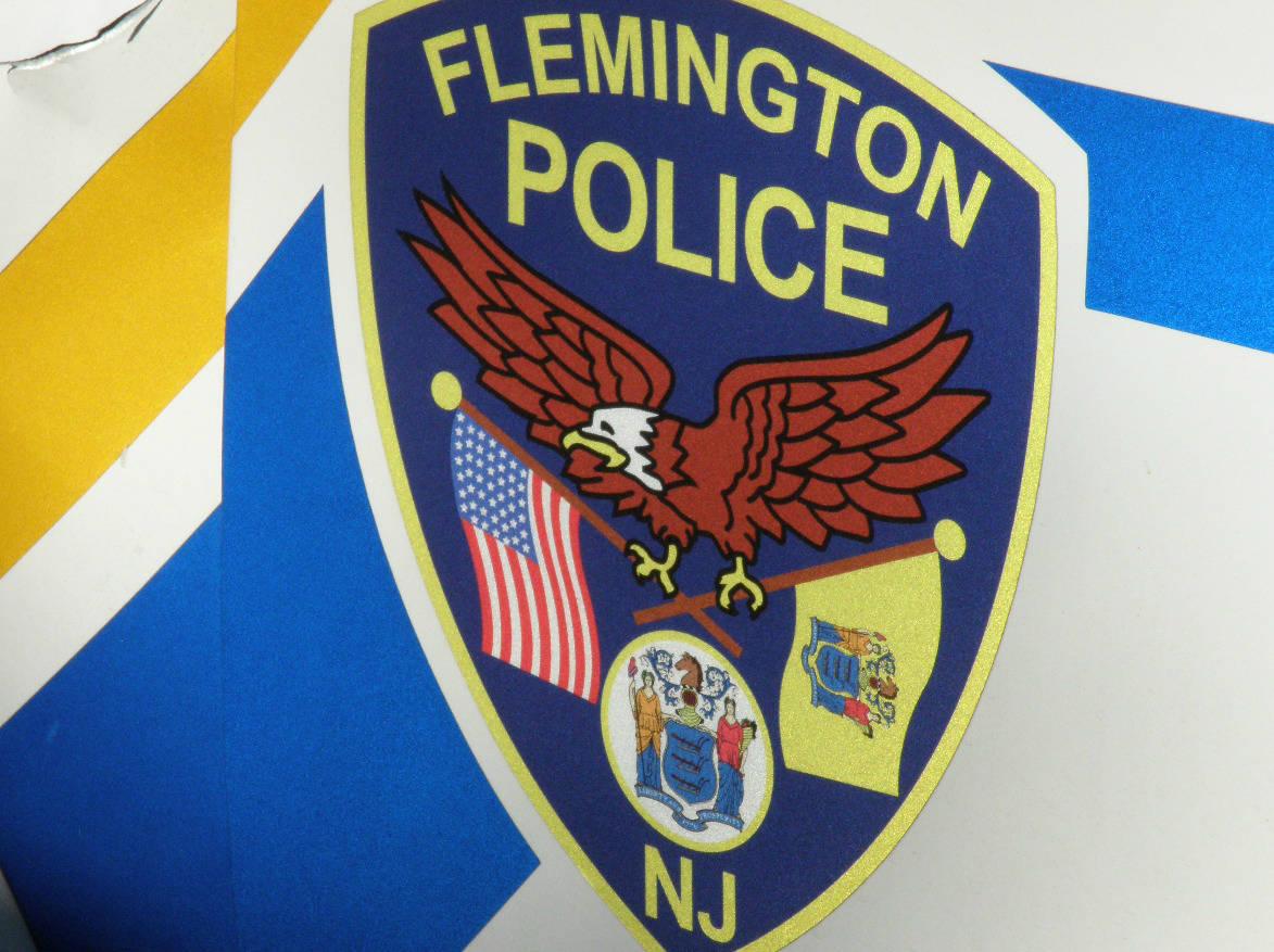 5e6030a31d5c88e938ad_flem_police__2_.JPG