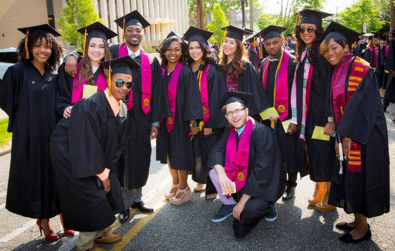 61313b77b66fb24d12be_Bloomfield_College_Graduation_Gowns.jpg