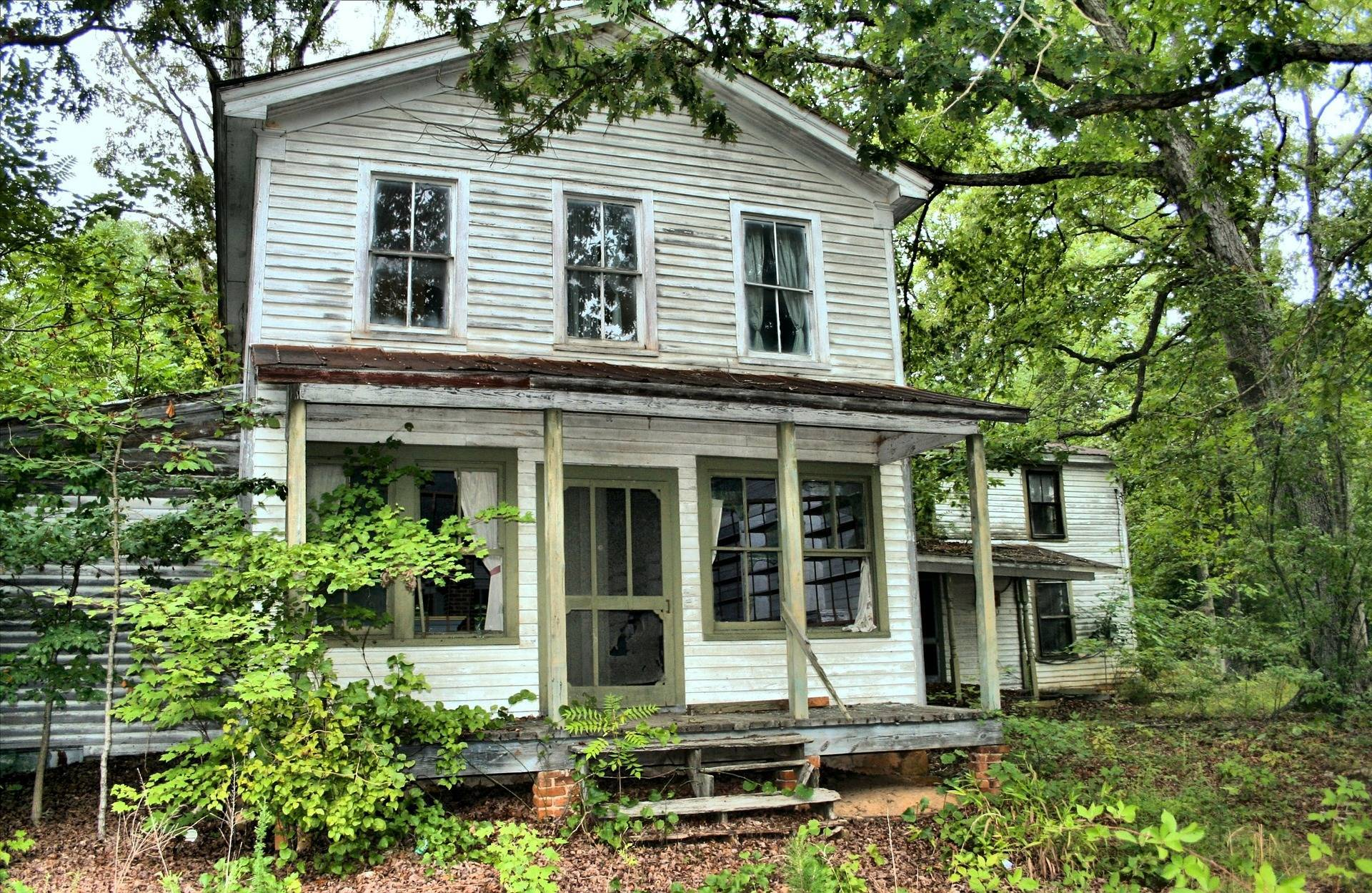 6245bab556355cdabe7e_foreclosure_house-54570_1920.jpg