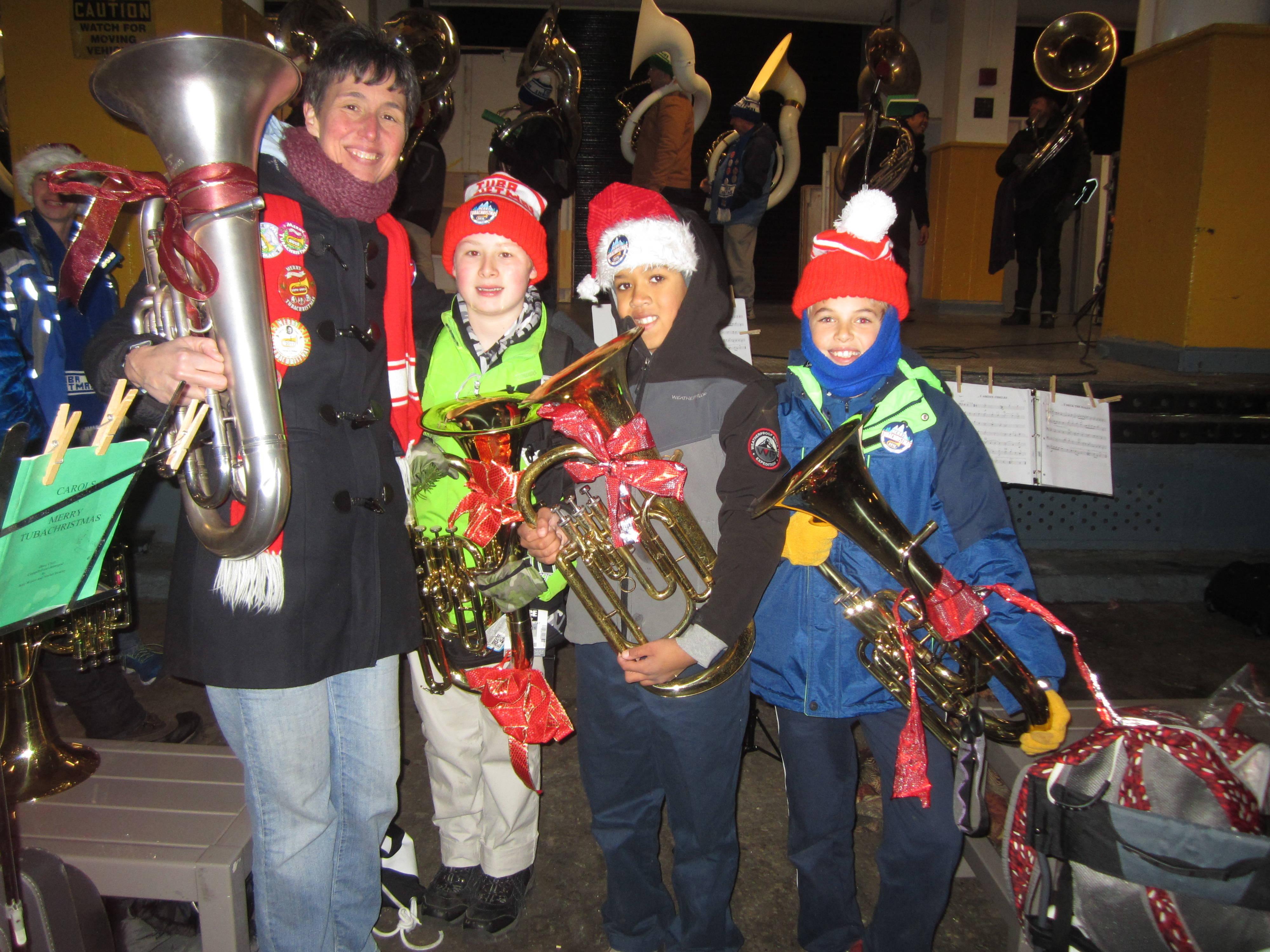 644dd85a65a4b5f1f707_Tuba_Christmas_2016_HMS.JPG