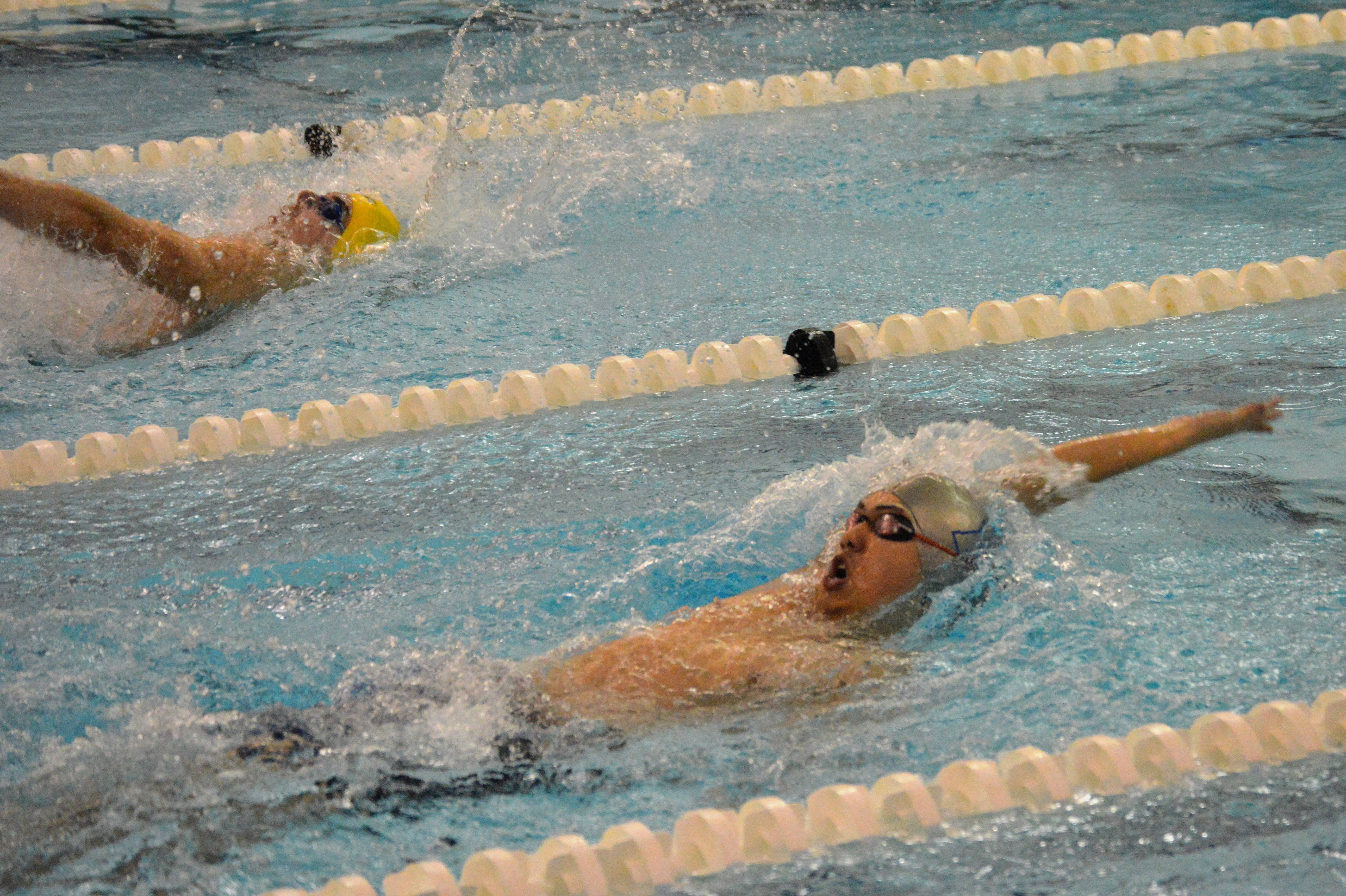 648f6e787e7705747e85_1-10-17_backstroke_race.JPG