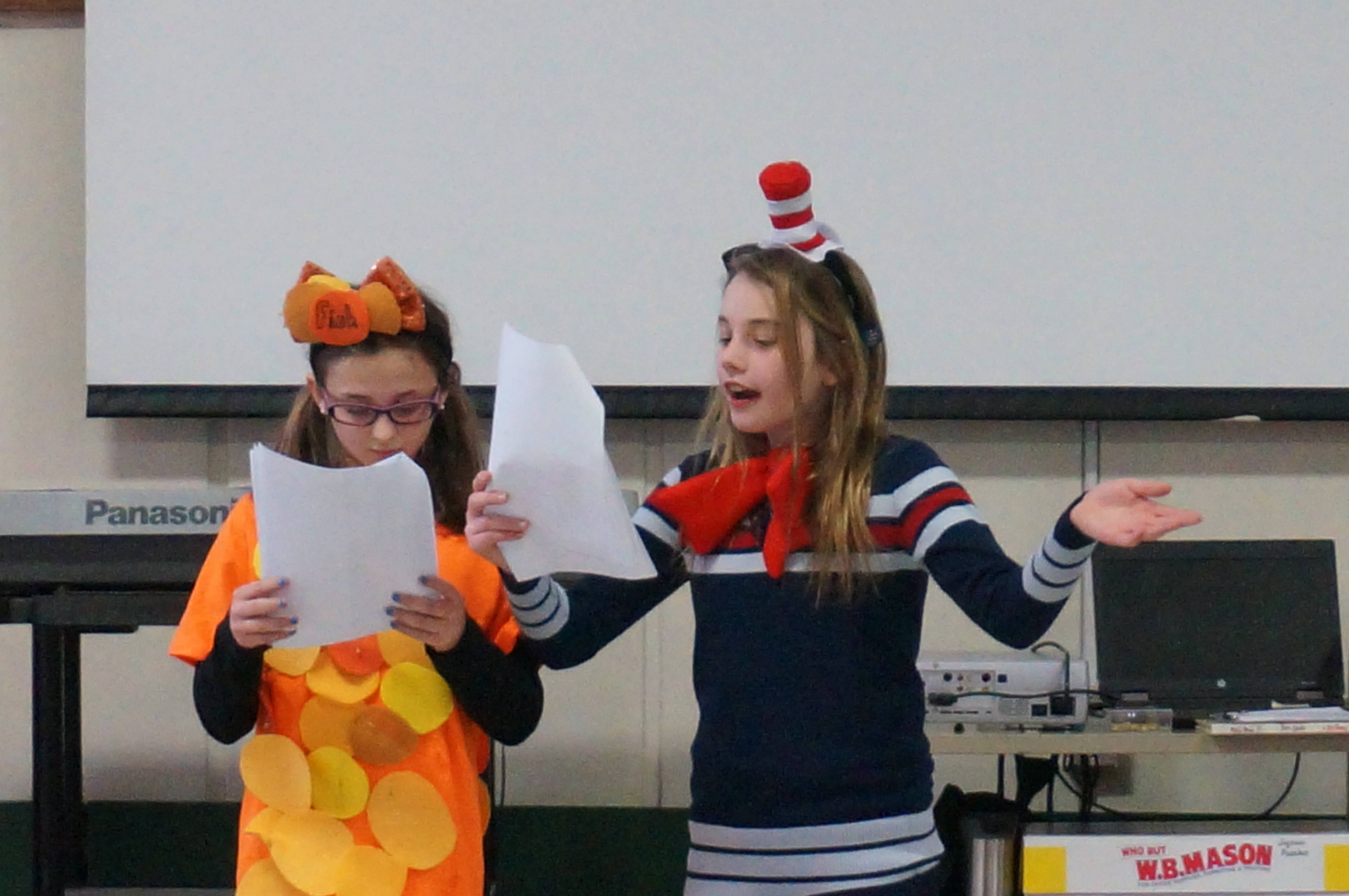 69ab9e372f62655ab0a1_a_Cat_in_the_Hat_performance_3.JPG