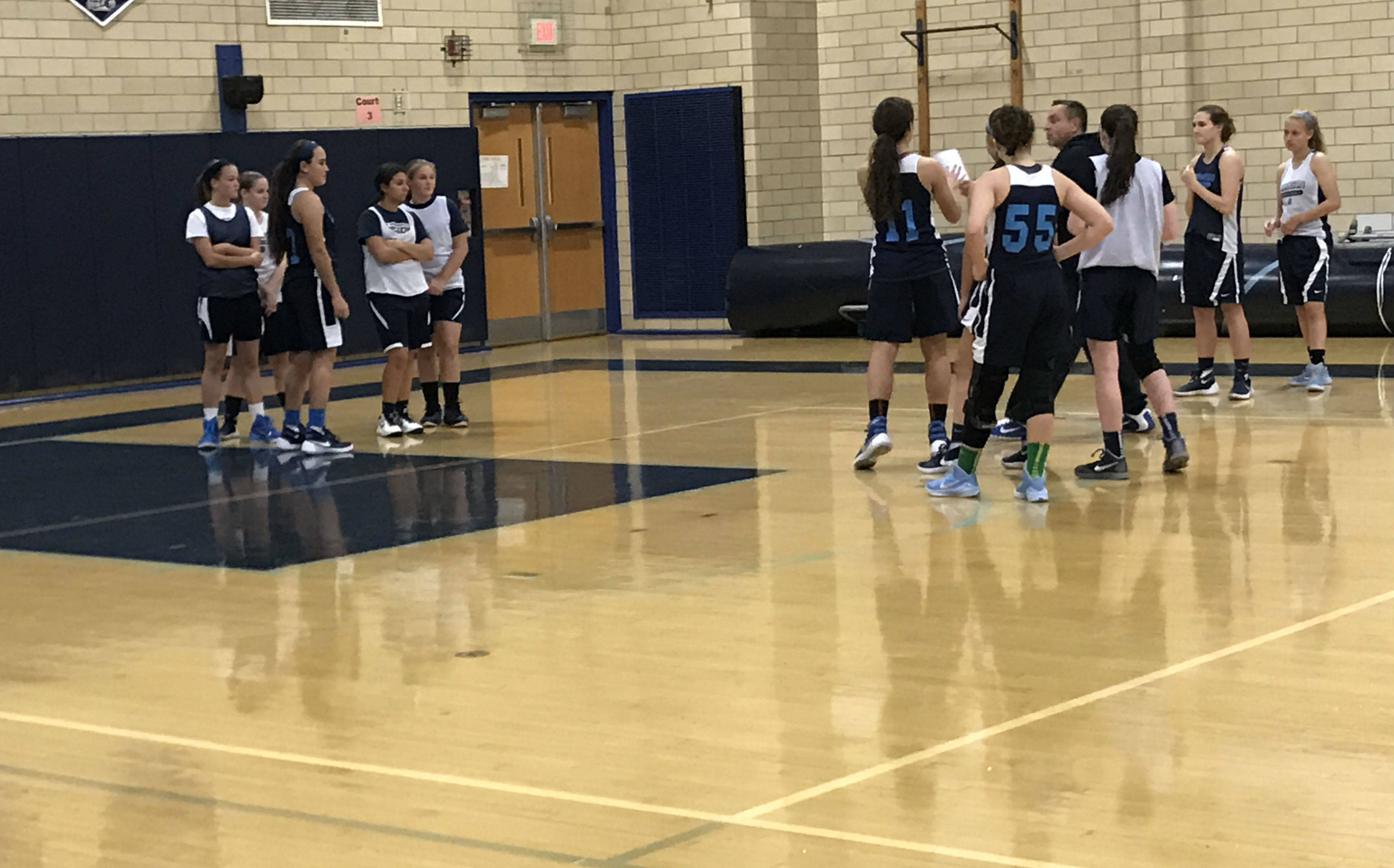 6a81ef26668c90ca37a3_ALJ_Girls_Varsity_Basketball_Preview__6.JPG