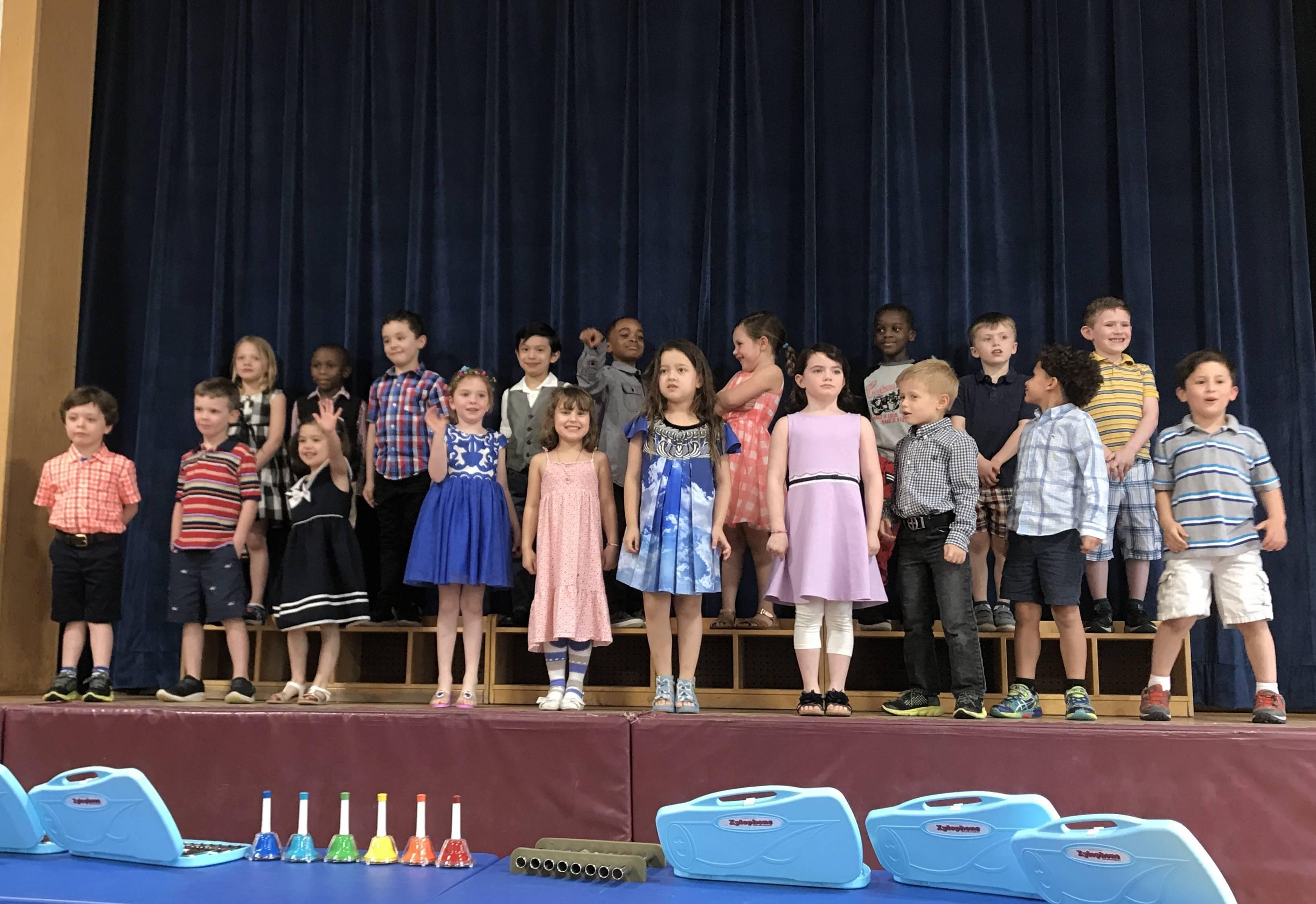 6b3f846e488aa19d20c7_Kindergarten2018_grad.jpeg